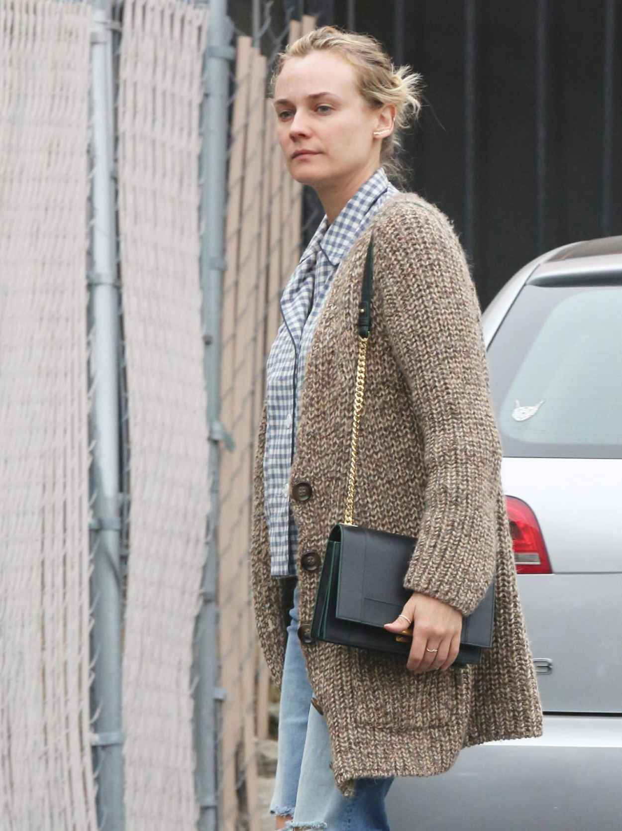 Diane Kruger Stops by a Grocery Store in Hollywood - March 2015-1