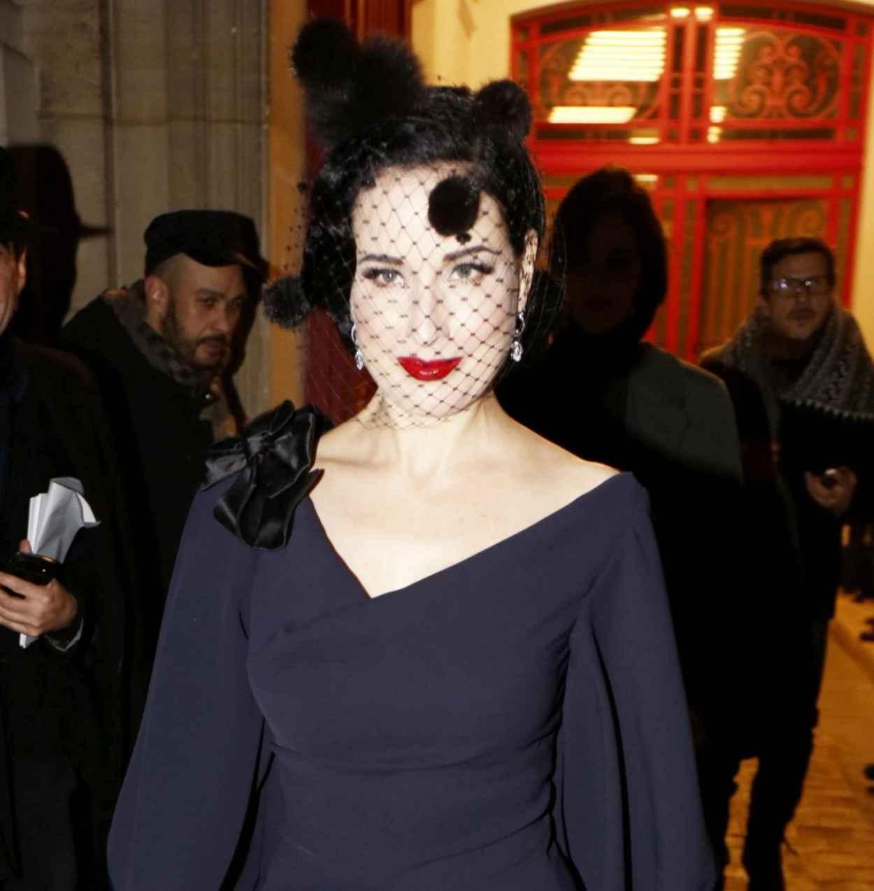 Dita von Teese - Alexis Mabille Show - Paris Fashion Week Haute-Couture Spring/Summer 2015-1