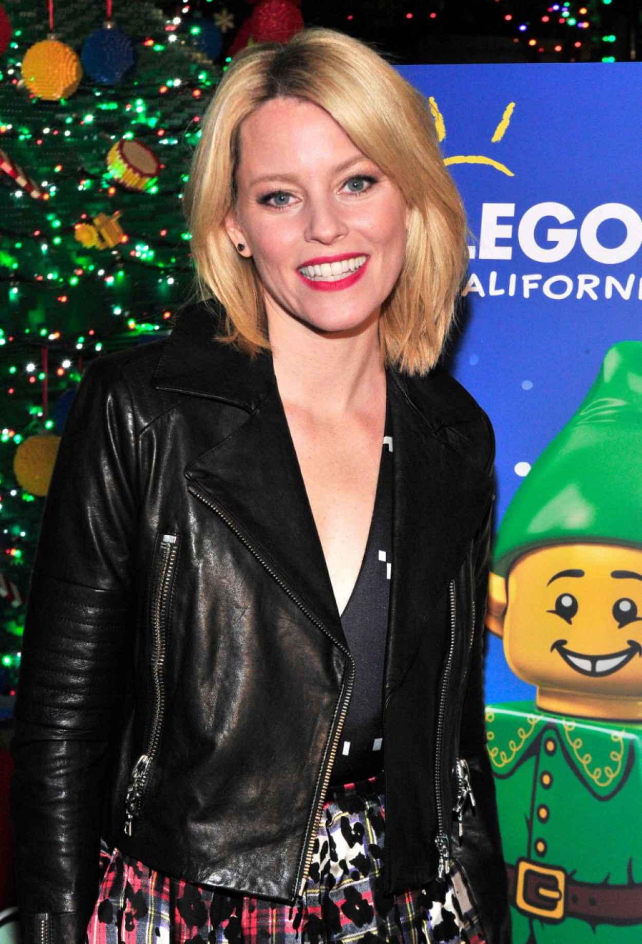 Elizabeth Banks - LEGOLAND California Resorts Annual Tree Lighting Ceremony in Carlsbad - Dec. 2015-1