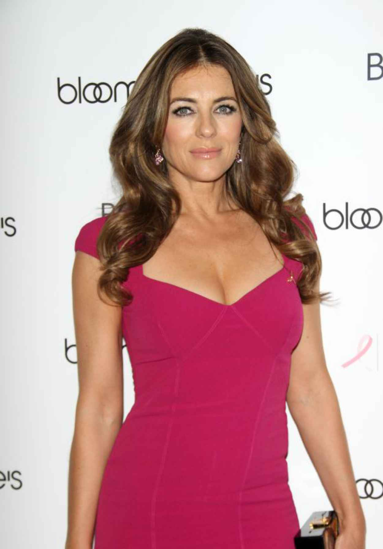 Elizabeth Hurley - Estee Lauder Breast Cancer Awareness Campaign in New York City-1