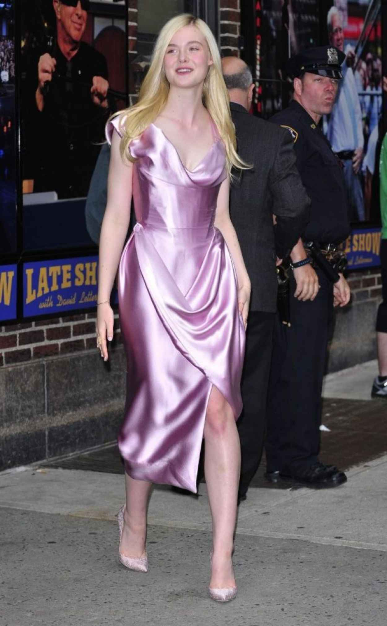 Elle Fanning at the Late Show with David Letterman, New York City, May 2015-1