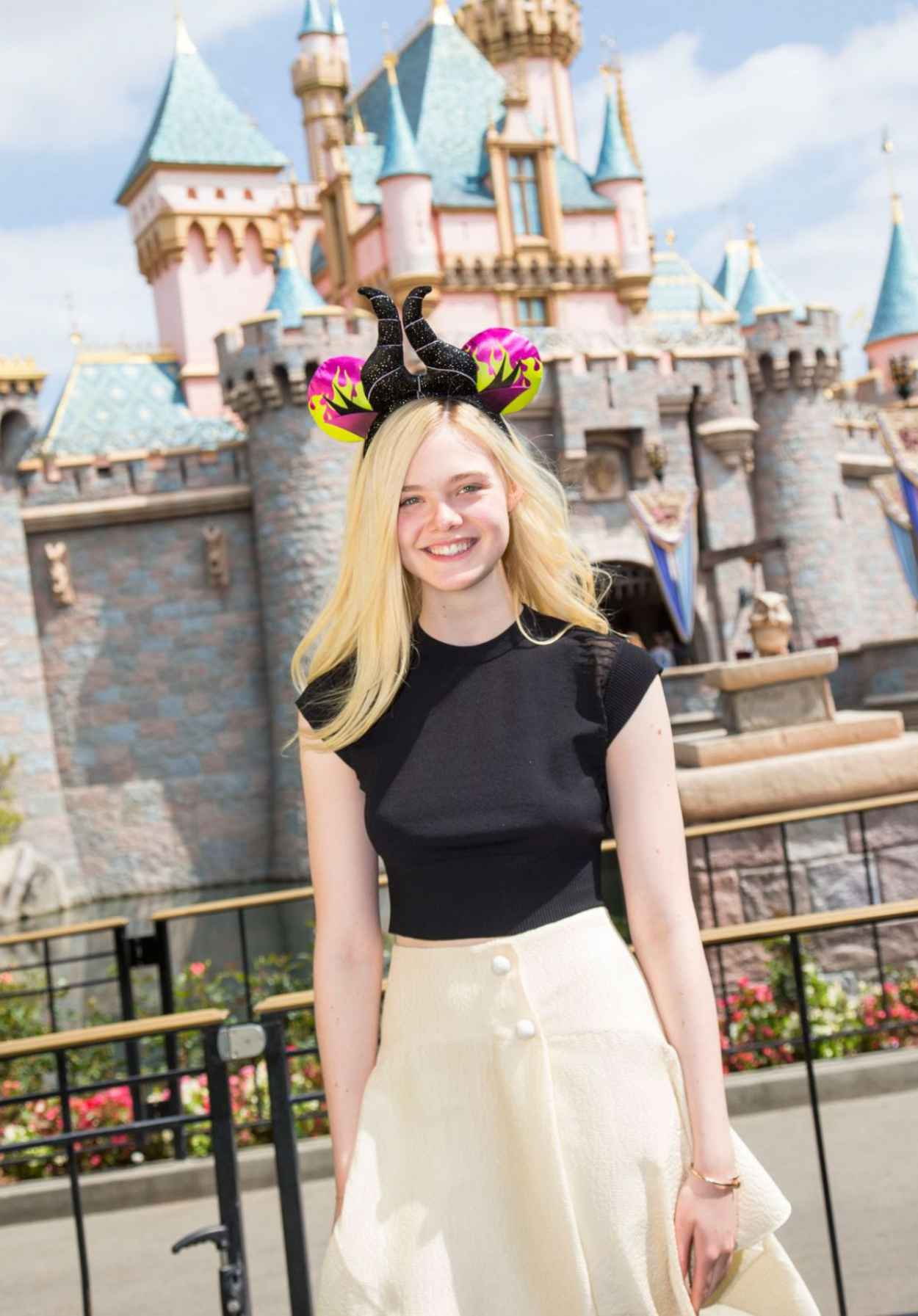 Elle Fanning Posing in a Black Top at Disneyland in Anaheim - April 2015-1