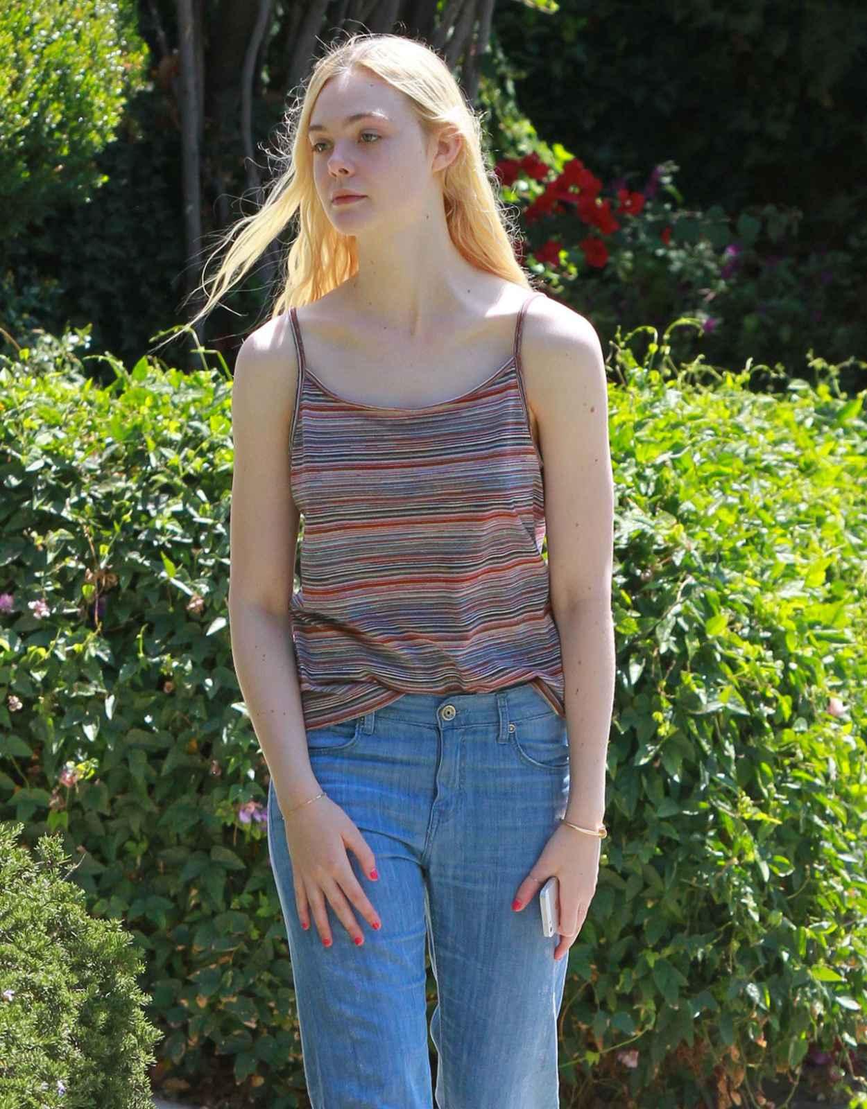 Elle Fanning Street Style - Out in Studio City - June 2015-1