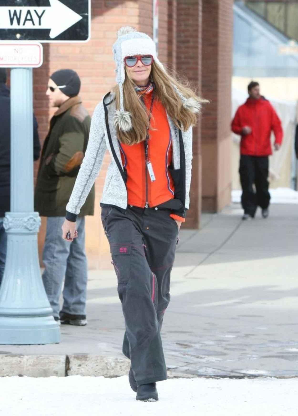 Elle Macpherson Street Style Out In Aspen December 2015
