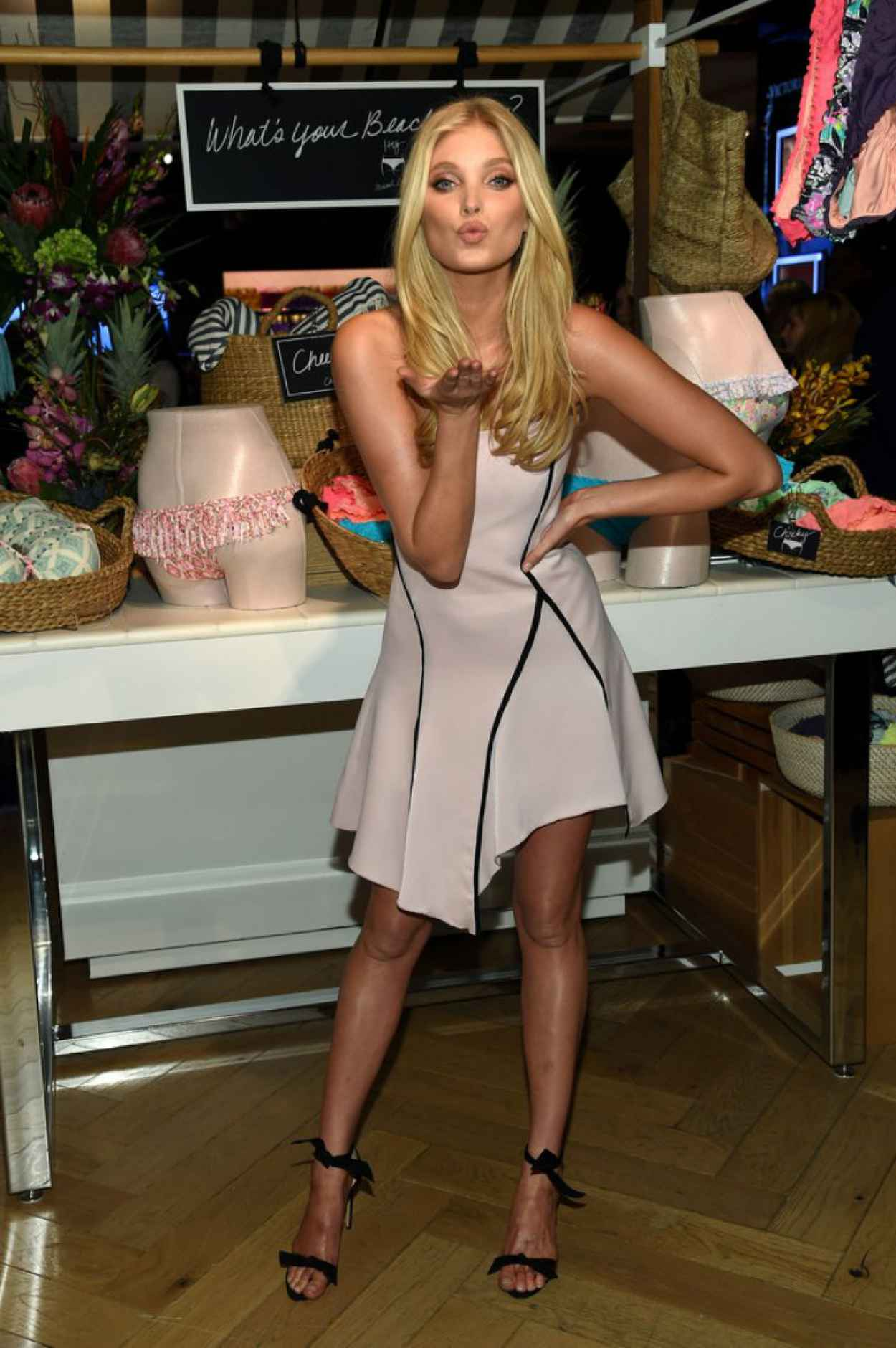 Elsa Hosk - Celebrates the Sexiest Push-ups and The Victoria-s Secret Swim Special in New York City-1