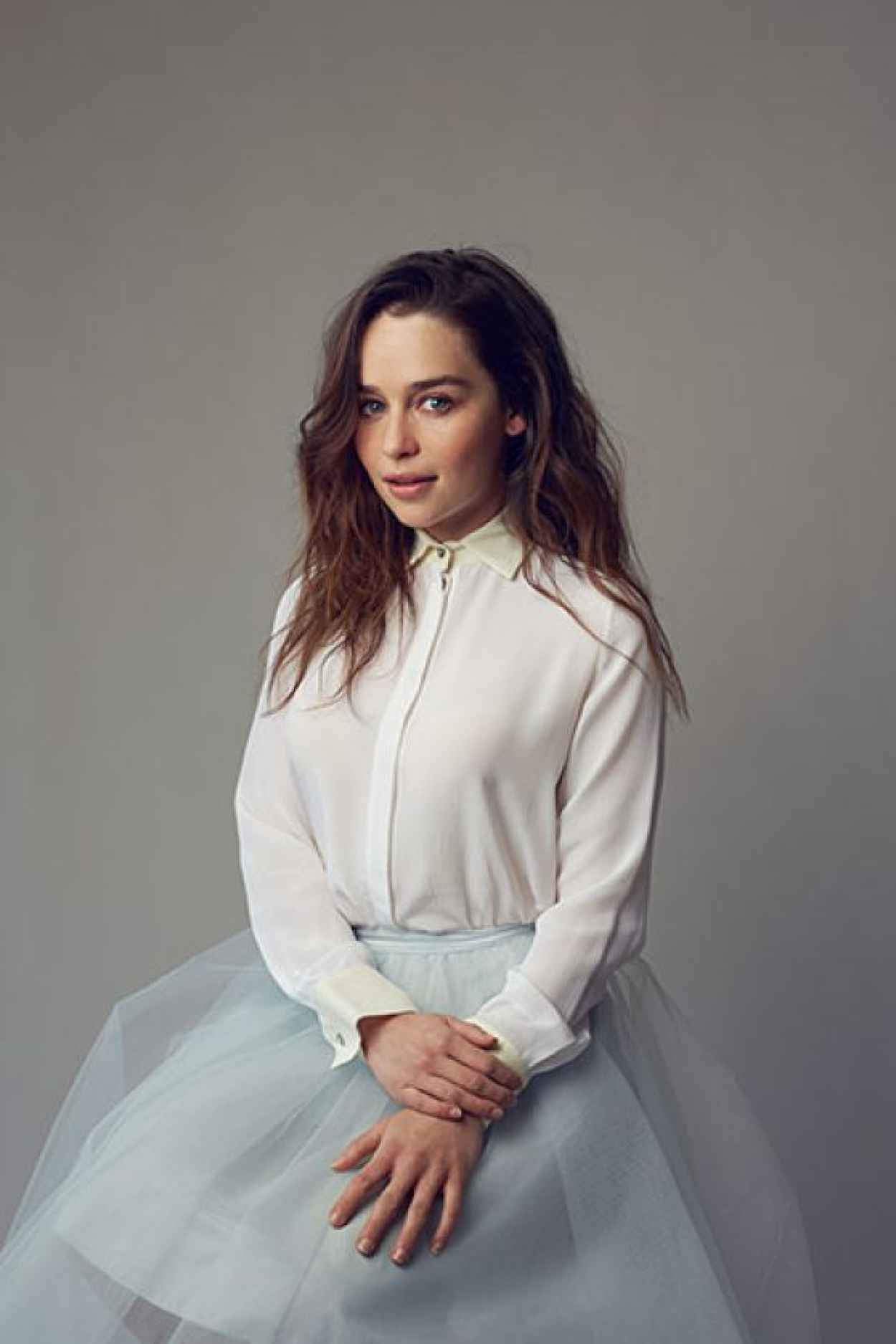 Emilia Clarke Photoshoot - The Observer - October 2015-3
