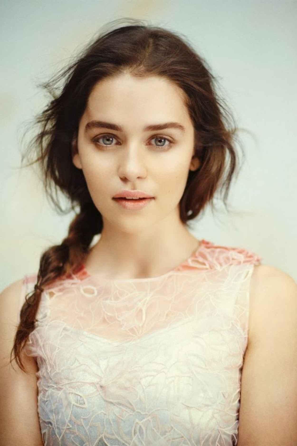 Emilia Clarke - VOGUE Magazine (UK) - December 2015 Issue-1