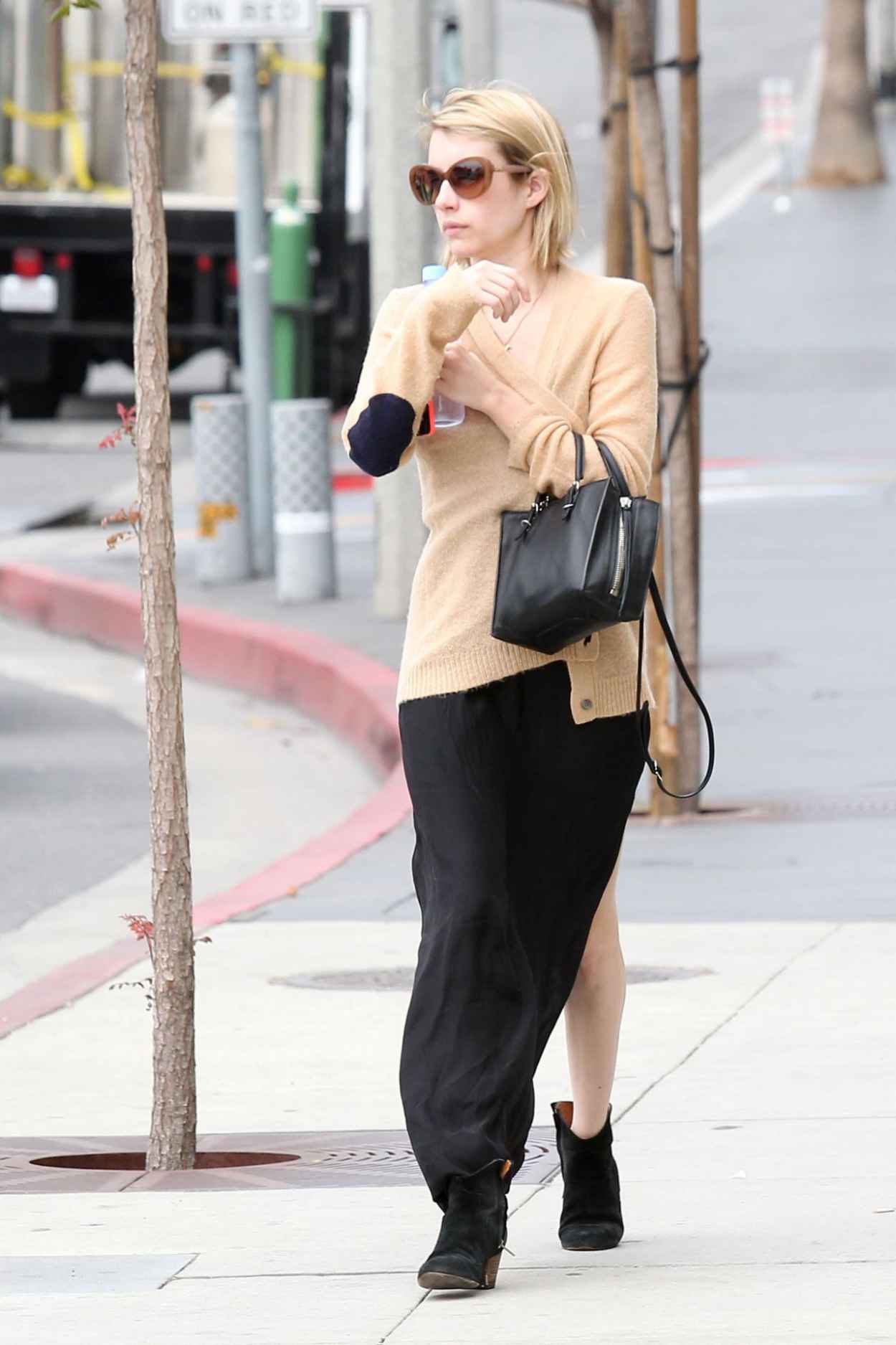 Emma Roberts Casual Style - Los Angeles, April 2015-1