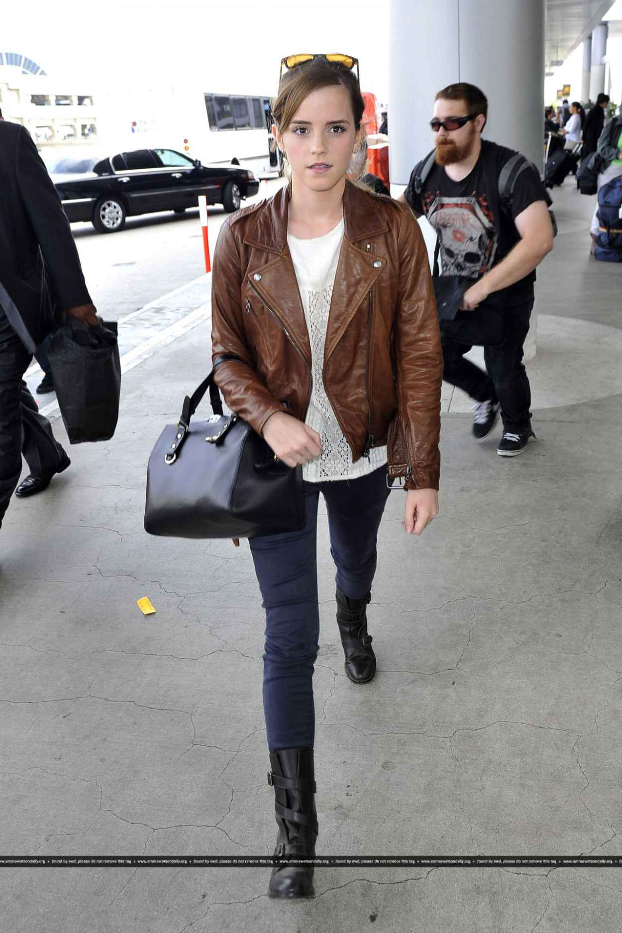 Emma Watson Street Style at LAX airport - October 2015-1