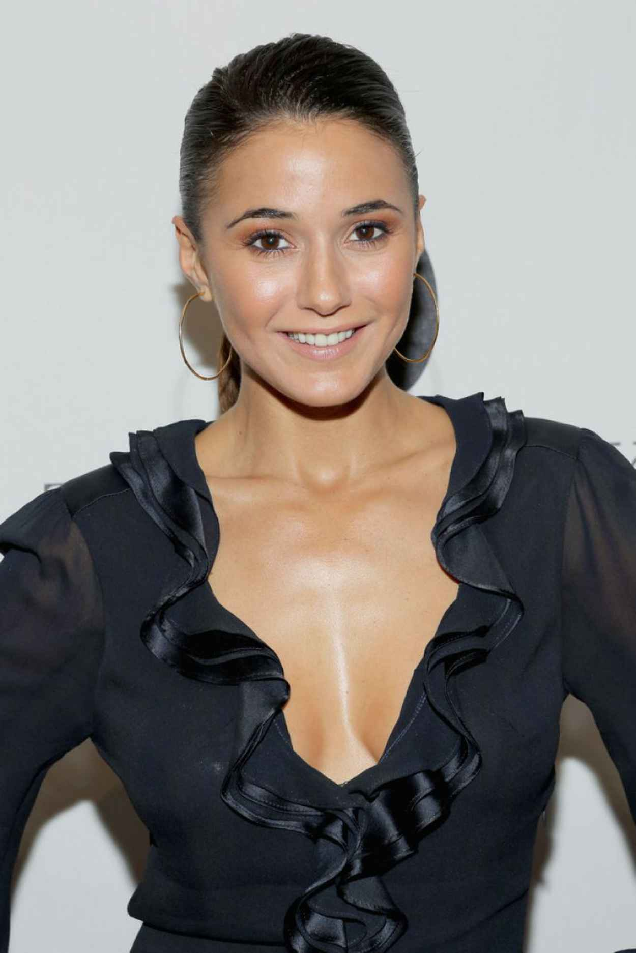 "Emmanuelle Chriqui on Red Carpet - at The Academy Of Motion Picture Arts And Sciences presents ""Like Magic""-1"