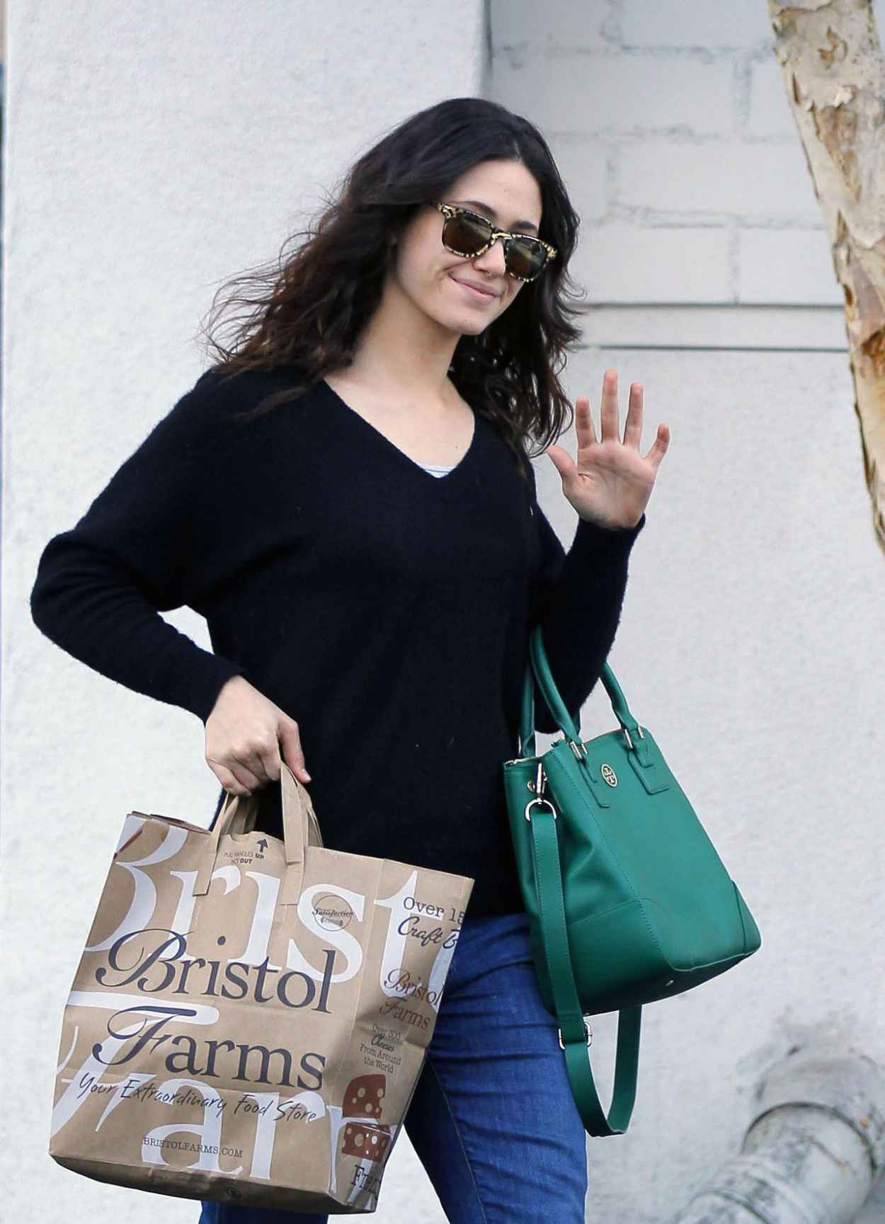 Emmy Rossum Street Style - at Bristol Farms in Los Angeles - November 2015-1