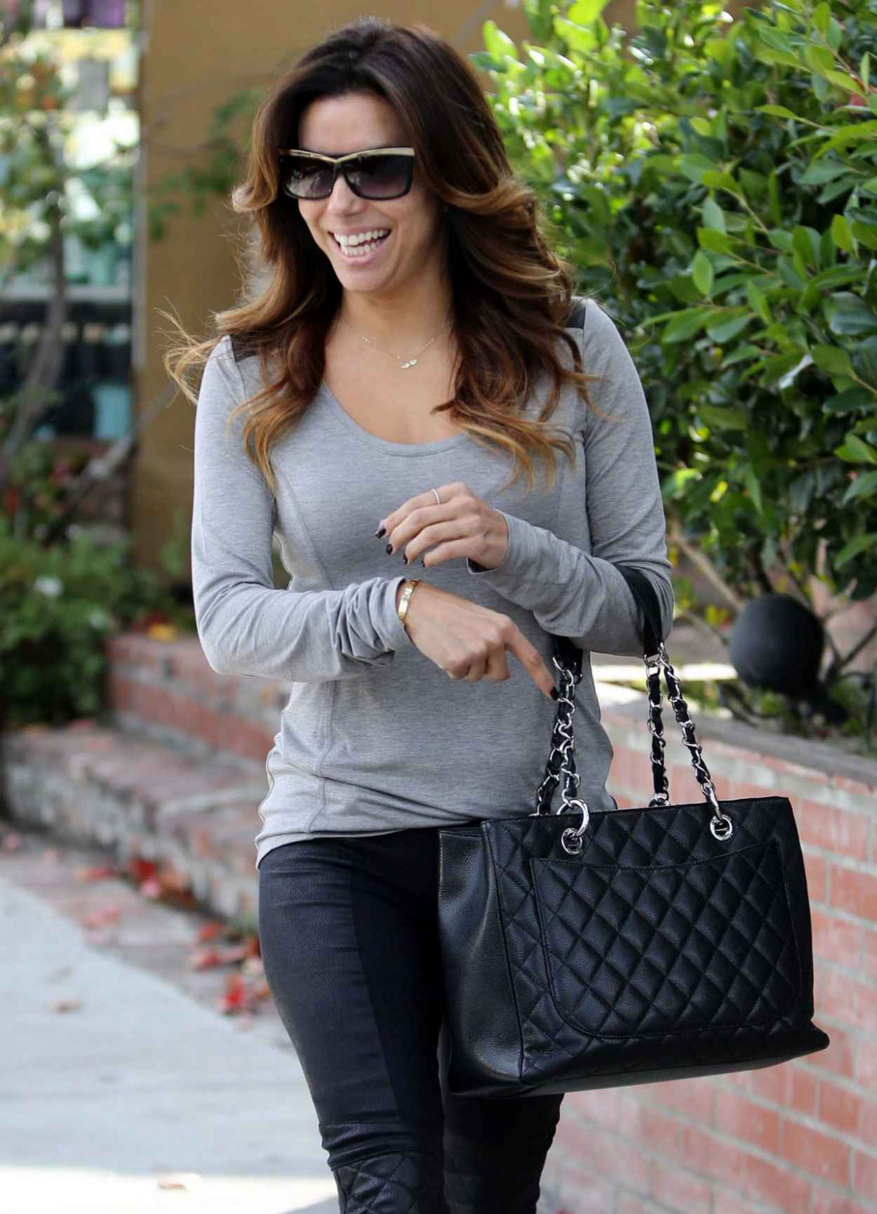 Eva Longoria Street Style - at the Ken Paves Salon and LAX in Los Angeles-1
