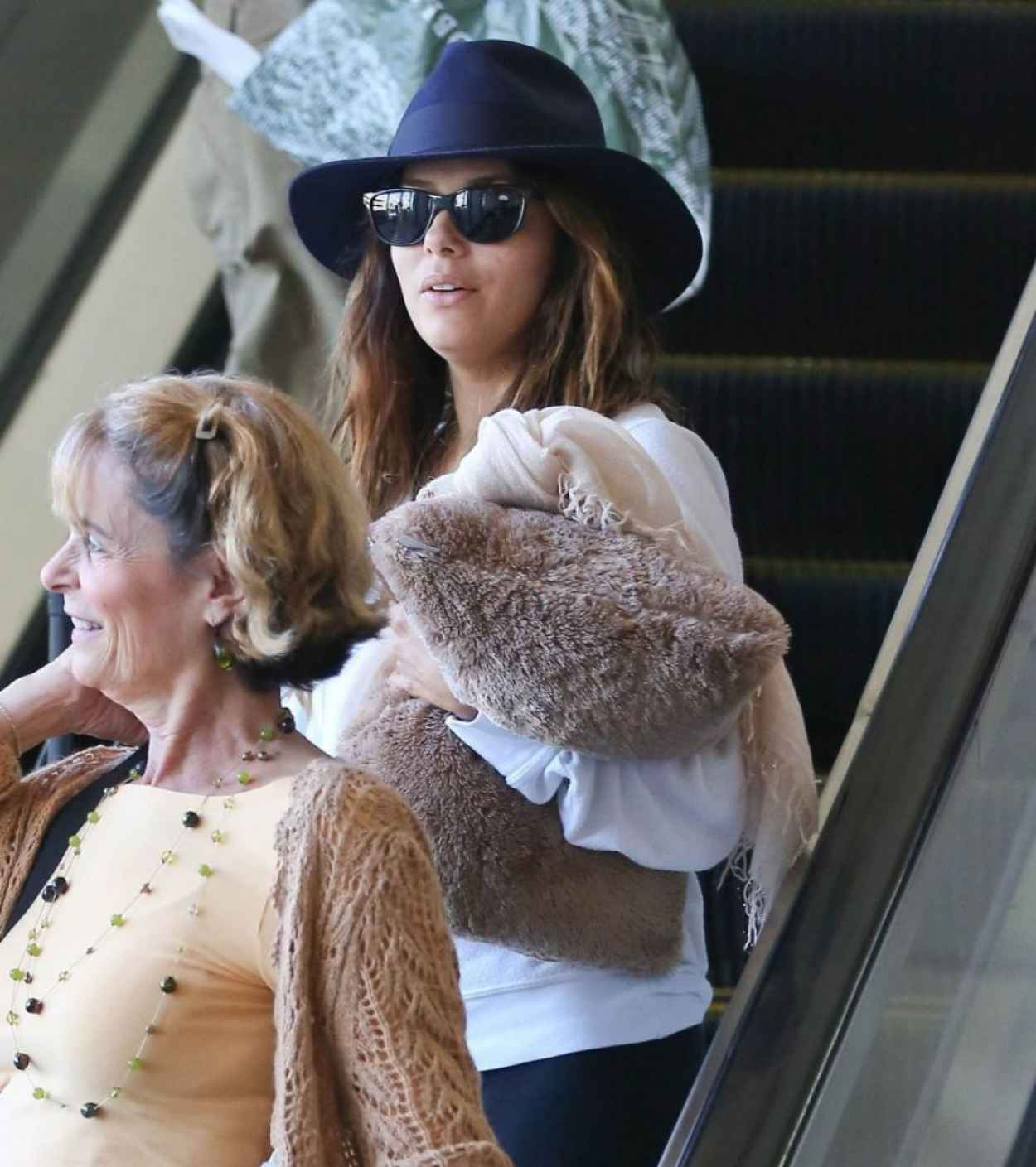 Eva Longoria Street Style - Lax Arrival Candids in Los Angeles-2