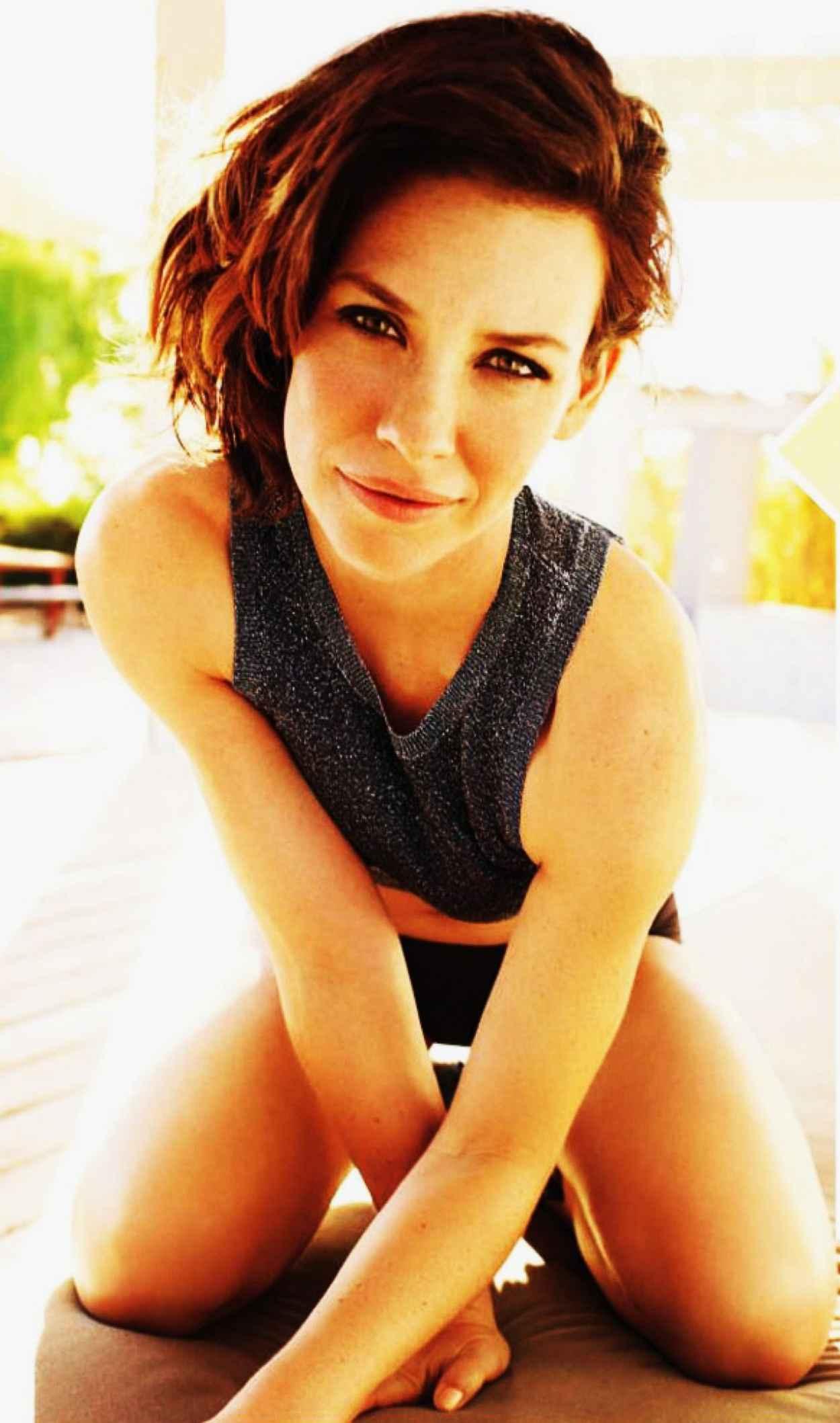 Evangeline Lilly - WOMENS HEALTH Magazine - March 2015 Issue-1