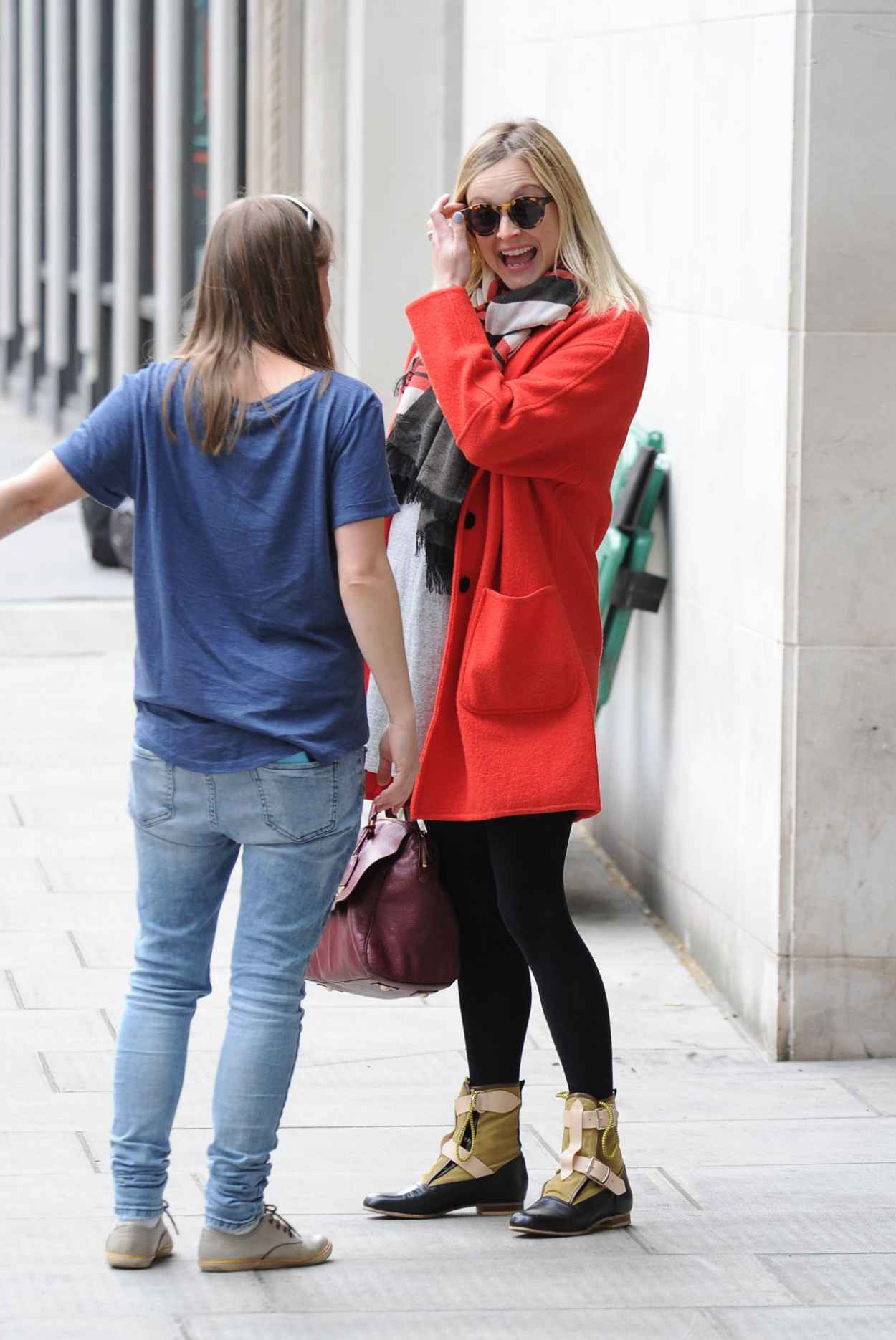 fearne cotton street style arriving at bbc radio 1 in. Black Bedroom Furniture Sets. Home Design Ideas