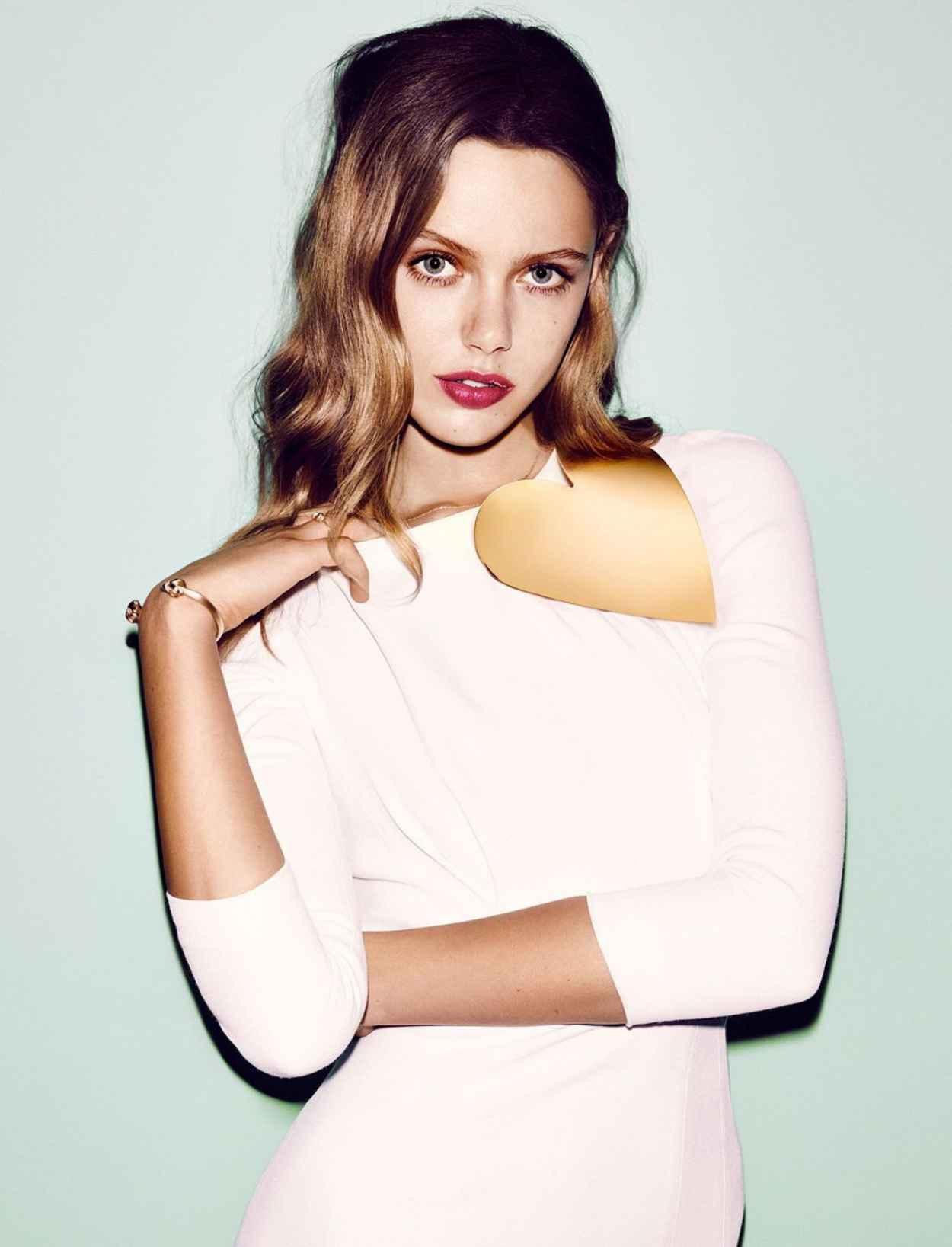 Frida Gustavsson - Vogue Magazine (Germany) - December 2015 Issue-1