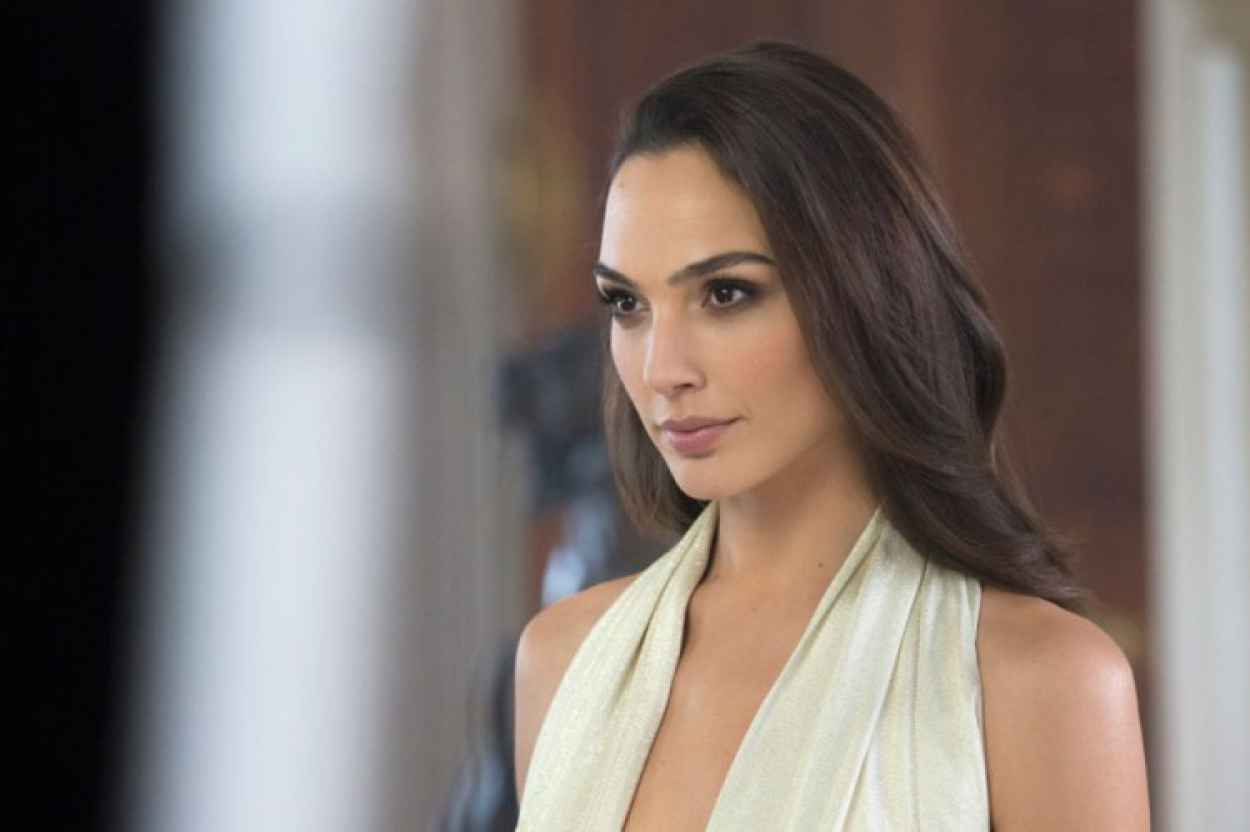 Gal Gadot - Photoshoot for Gucci Bamboo Fragrance 2015 Campaign-1