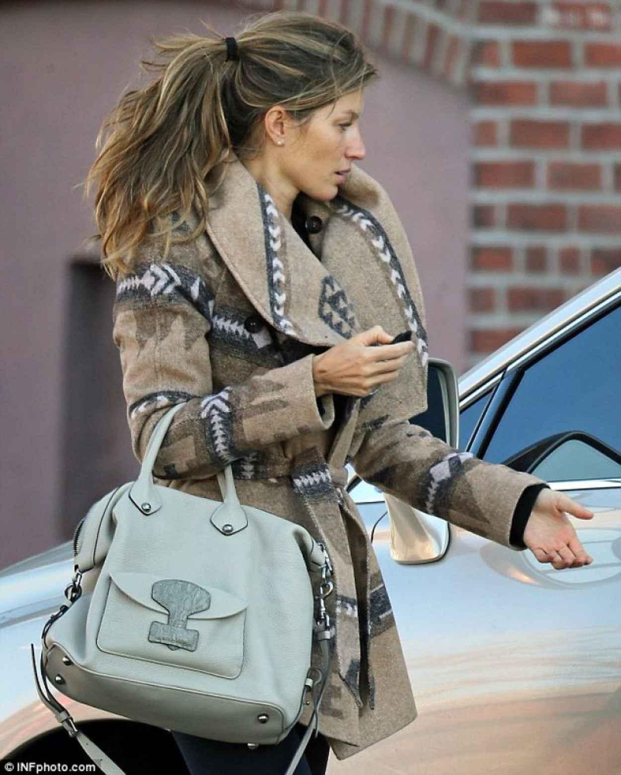 Gisele Bundchen Street Style - Out in Boston - November 2015-1