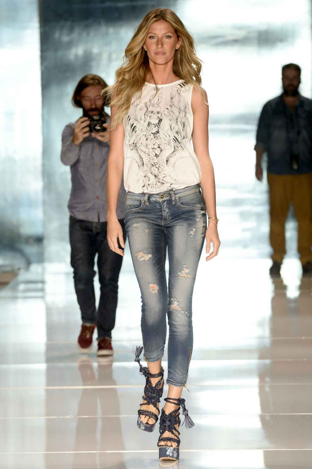 Gisele Bundchen Colcci Summer 2015 Fashion Show April 2015