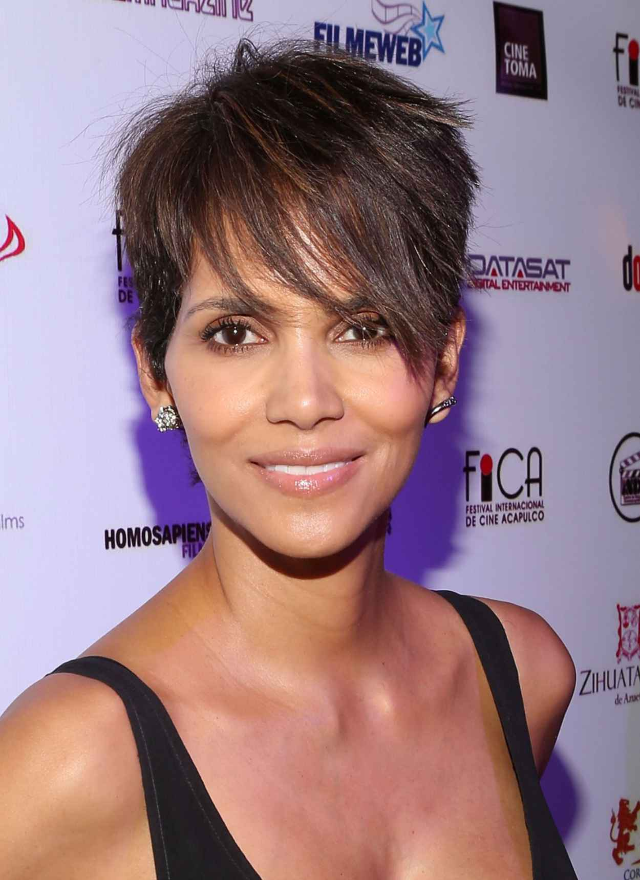 Halle Berry - Closing Of 9th Annual Acapulco Film Festival in Mexico - January 2015-2