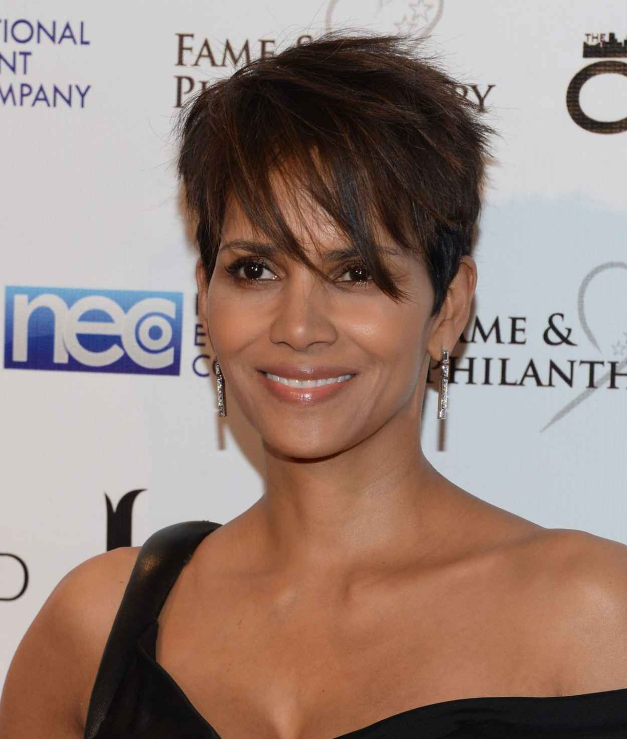 Halle Berry - Fame and Philanthropy Post-Oscar Party 2015-1