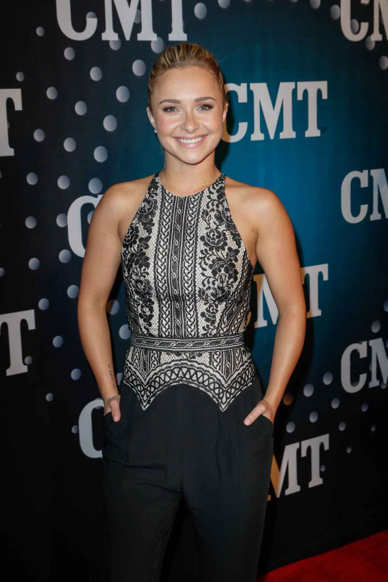 Hayden Panettiere Attends CMT Artists Of The Year in Nashville - December 2015-1