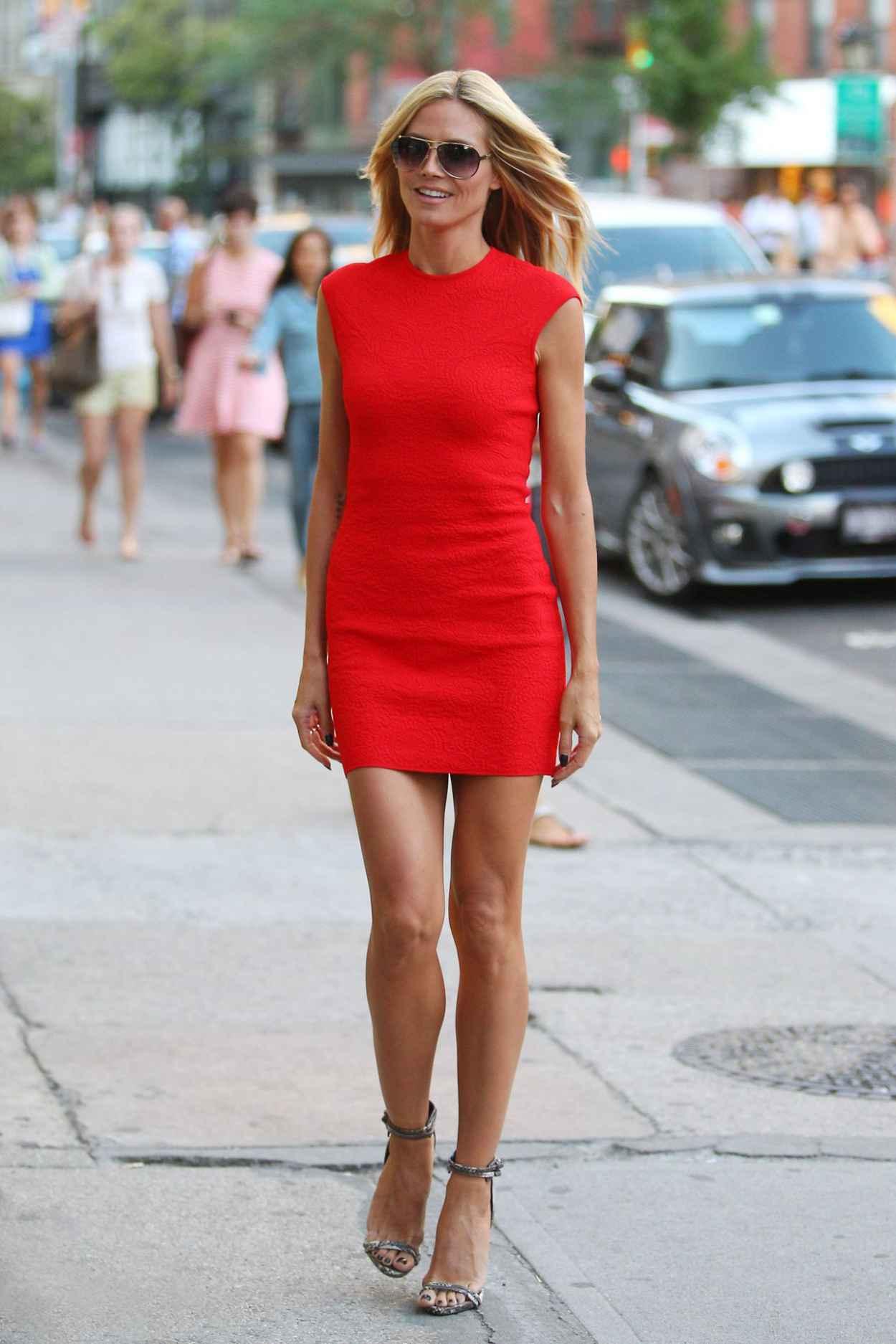 NEW YORK CITY - JUNE 2015: Manhattan rush hour, heavy street traffic of  commuting