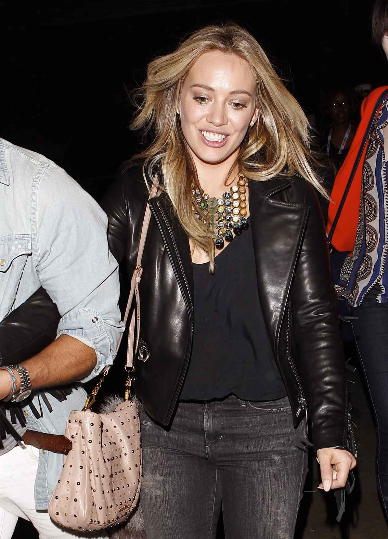 Hilary Duff at the Miley Cyrus Concert - Staples Center in Los Angeles-1