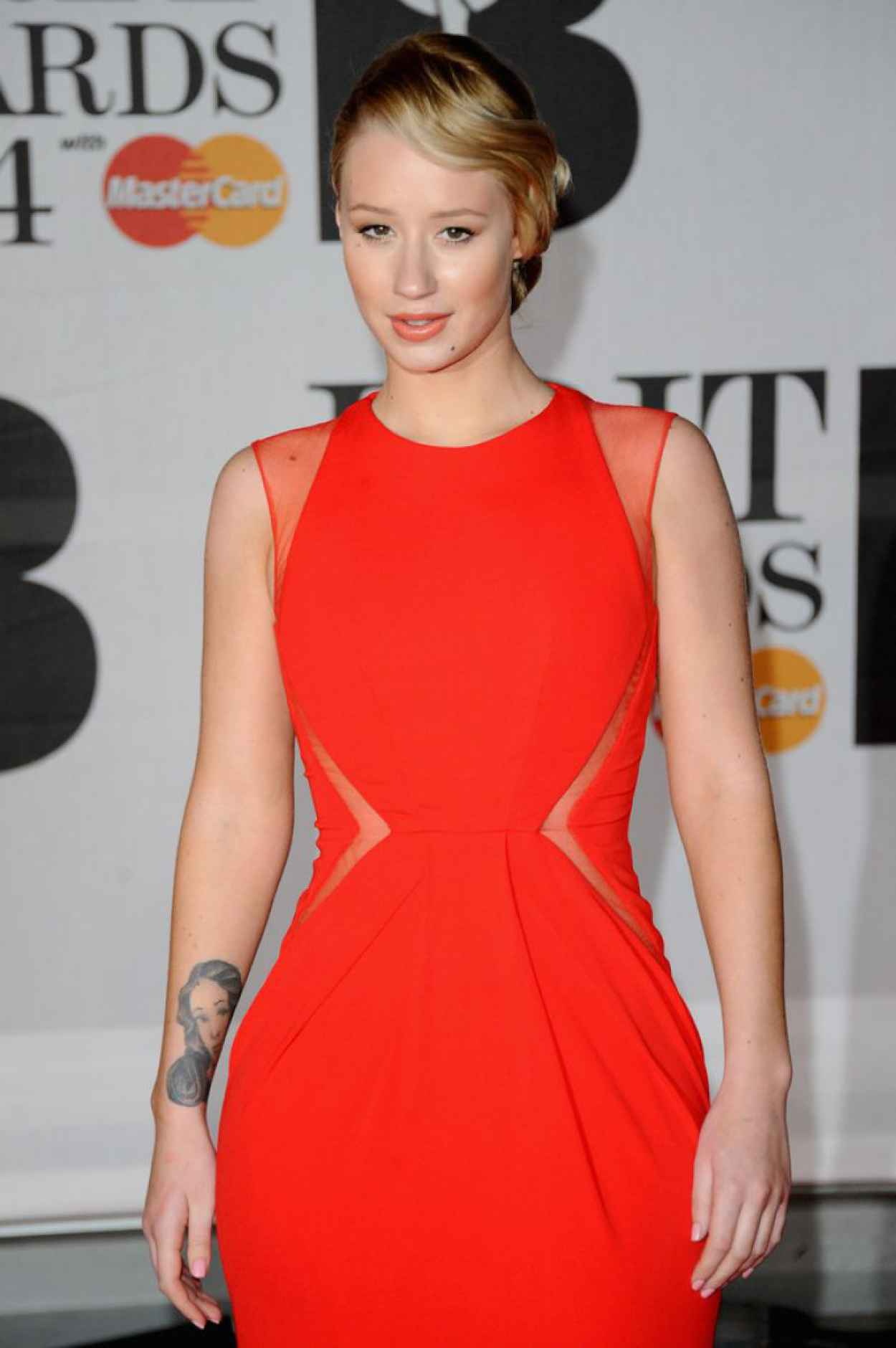 Iggy Azalea Wearing Elie Saab Dress - 2015 BRIT Awards in London-1