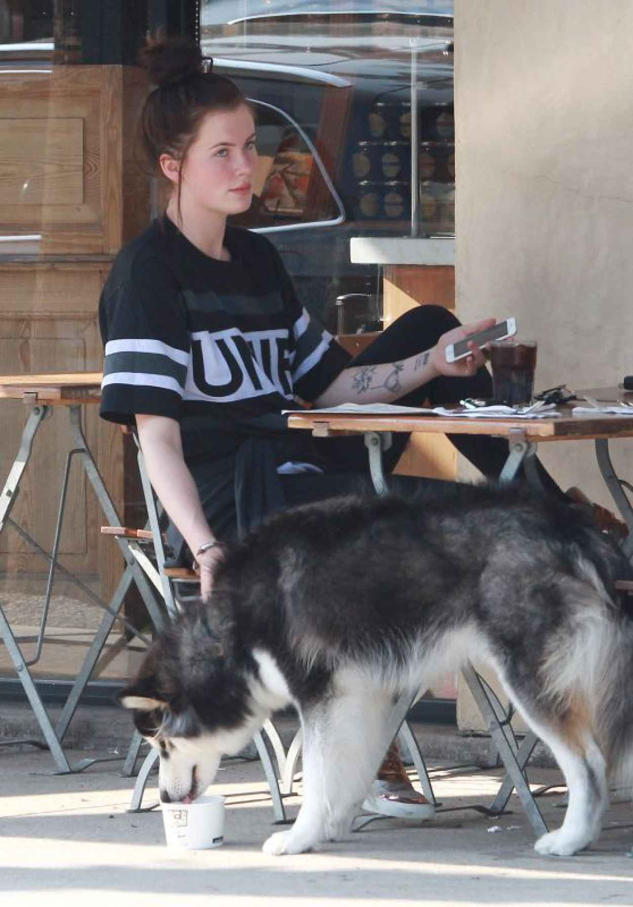 Ireland Baldwin at Le Pain Quotidien Bakery in Los Angeles, August 2015-1