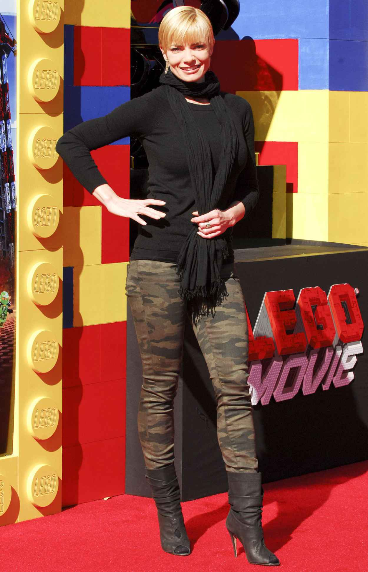 Jaime Pressly on Red Carpet - THE LEGO MOVIE Premiere in Los Angeles-1