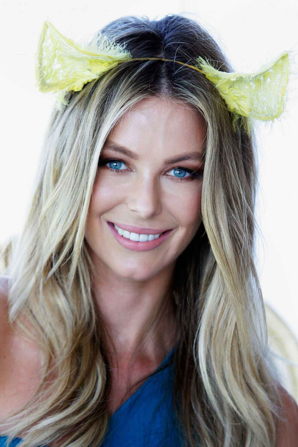 Jennifer Hawkins at Moet and Chandon Marquee, Spring Champion Stakes Day-1