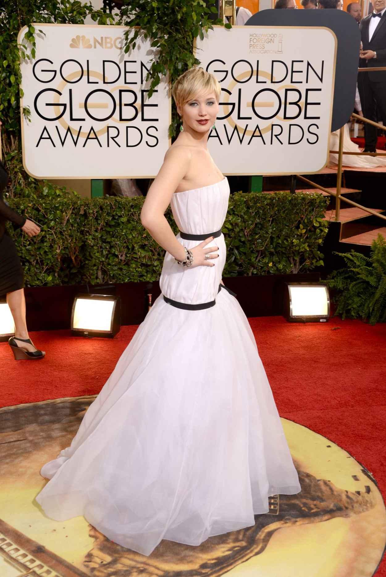 Jennifer Lawrence - 2015 Golden Globe Awards Red Carpet-1