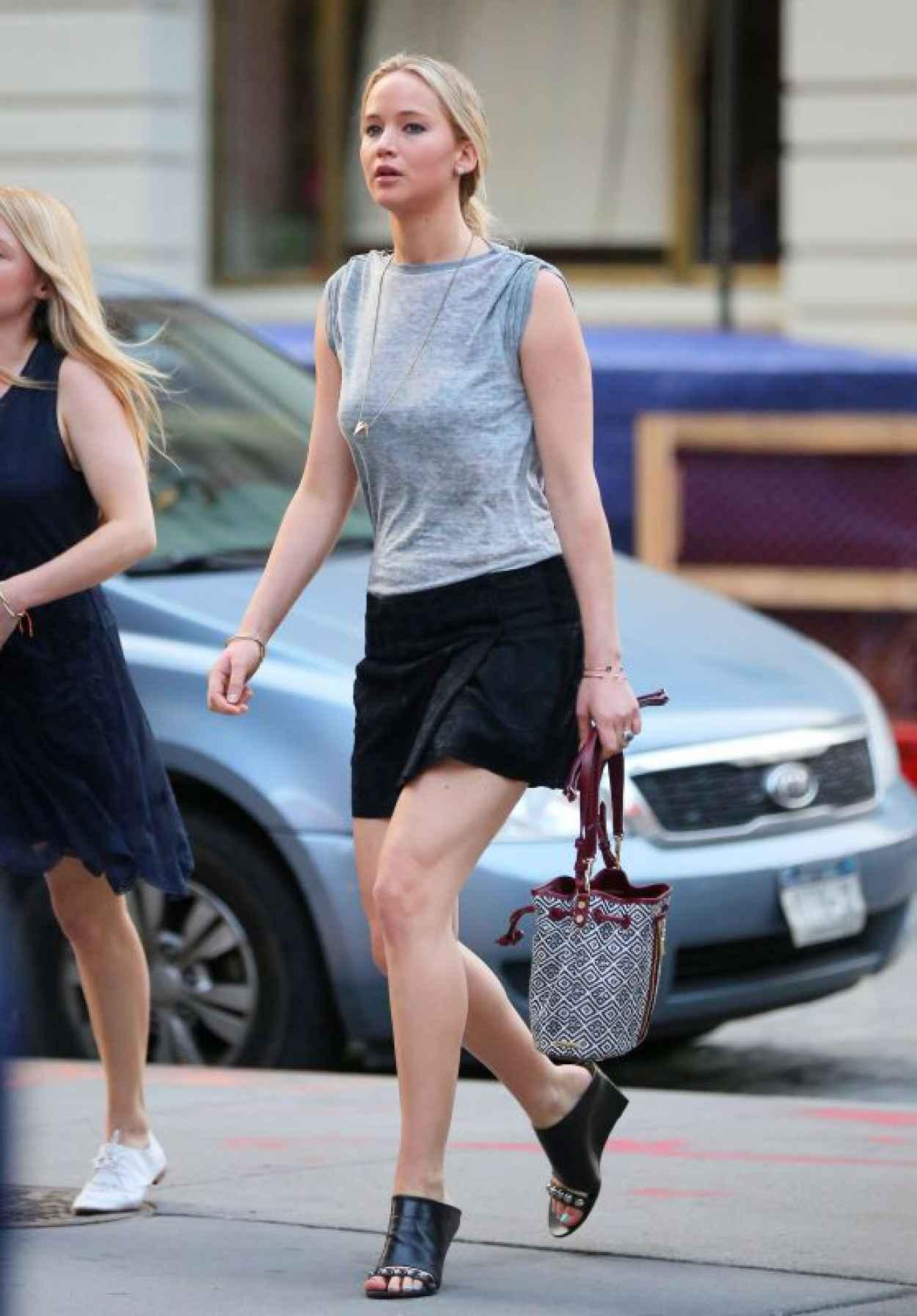 Demi Lovato – Leaving Her Hotel in New York City, June 2015