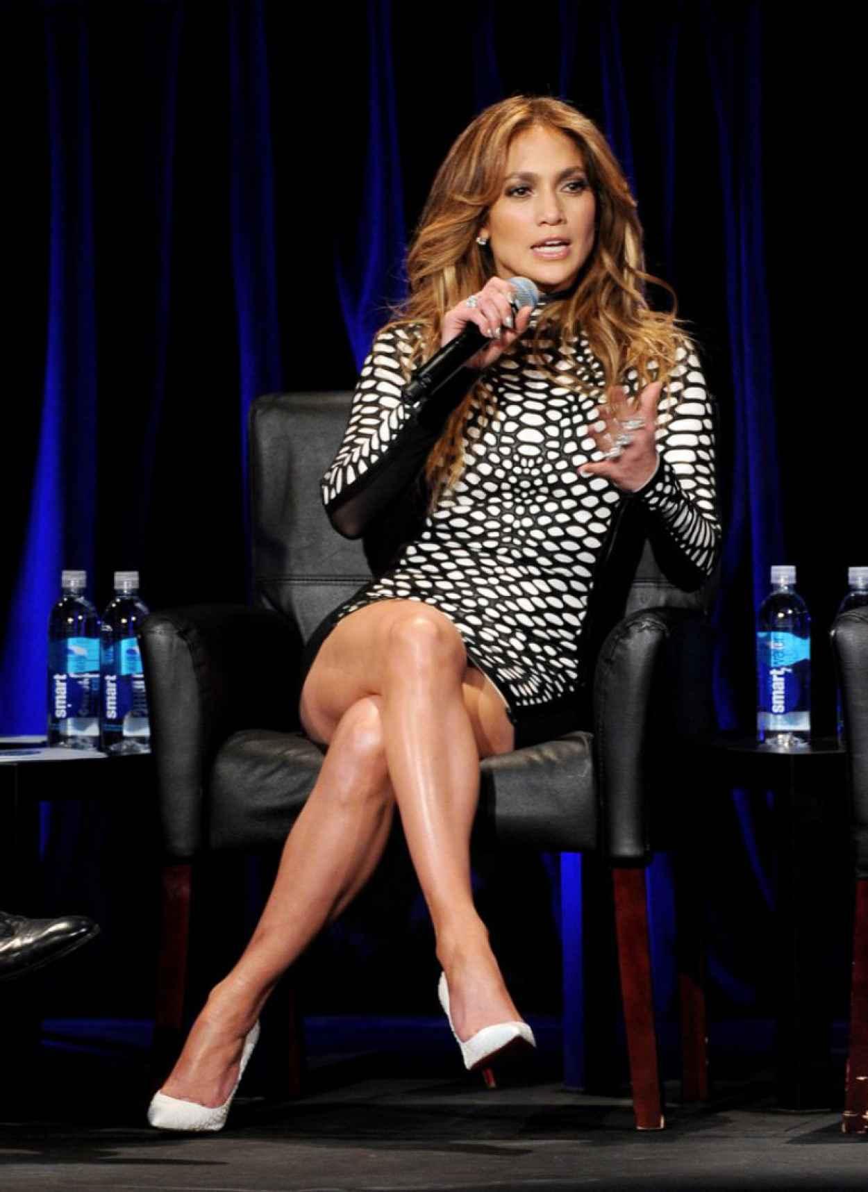 "Jennifer Lopez at ""American Idol Xlll"" Premiere in Los Angeles, January 2015-1"