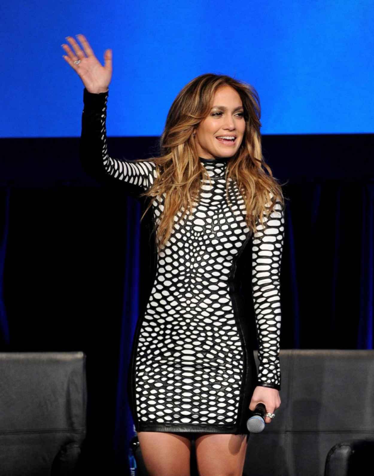 "Jennifer Lopez at ""American Idol Xlll"" Premiere in Los Angeles, January 2015-4"