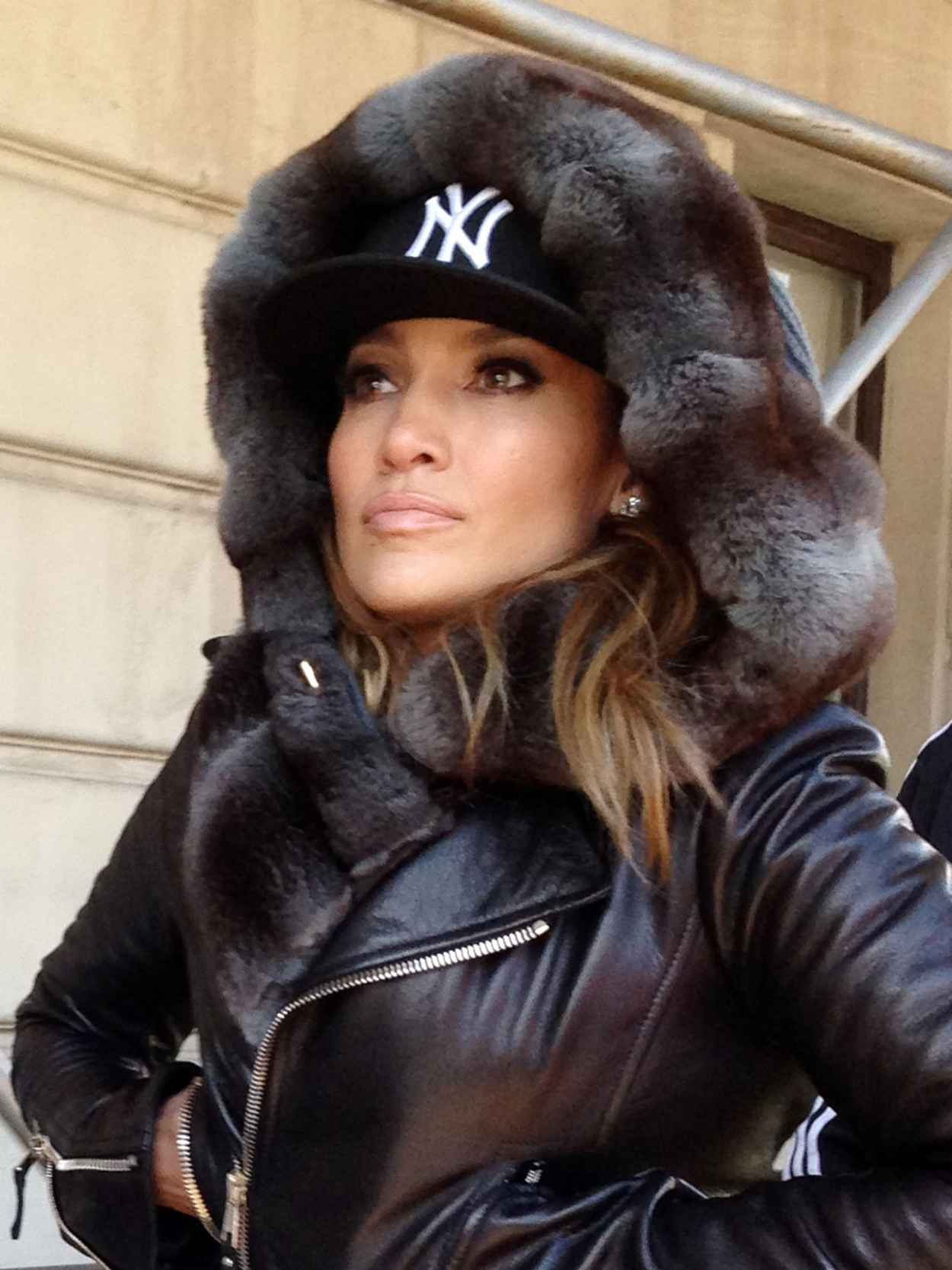 Jennifer Lopez in Central Park, New York 2015-1