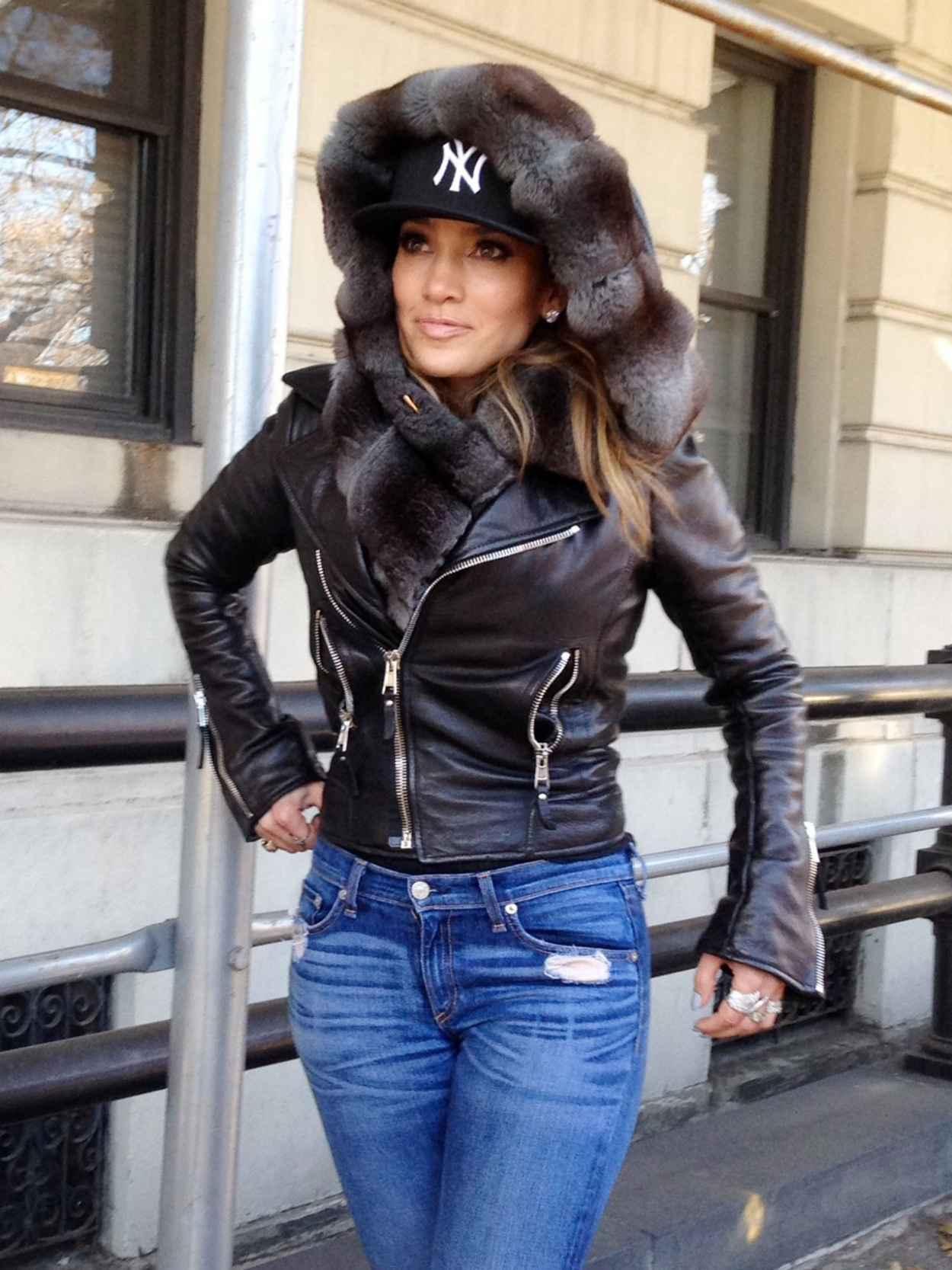 Jennifer Lopez in Central Park, New York 2015-4