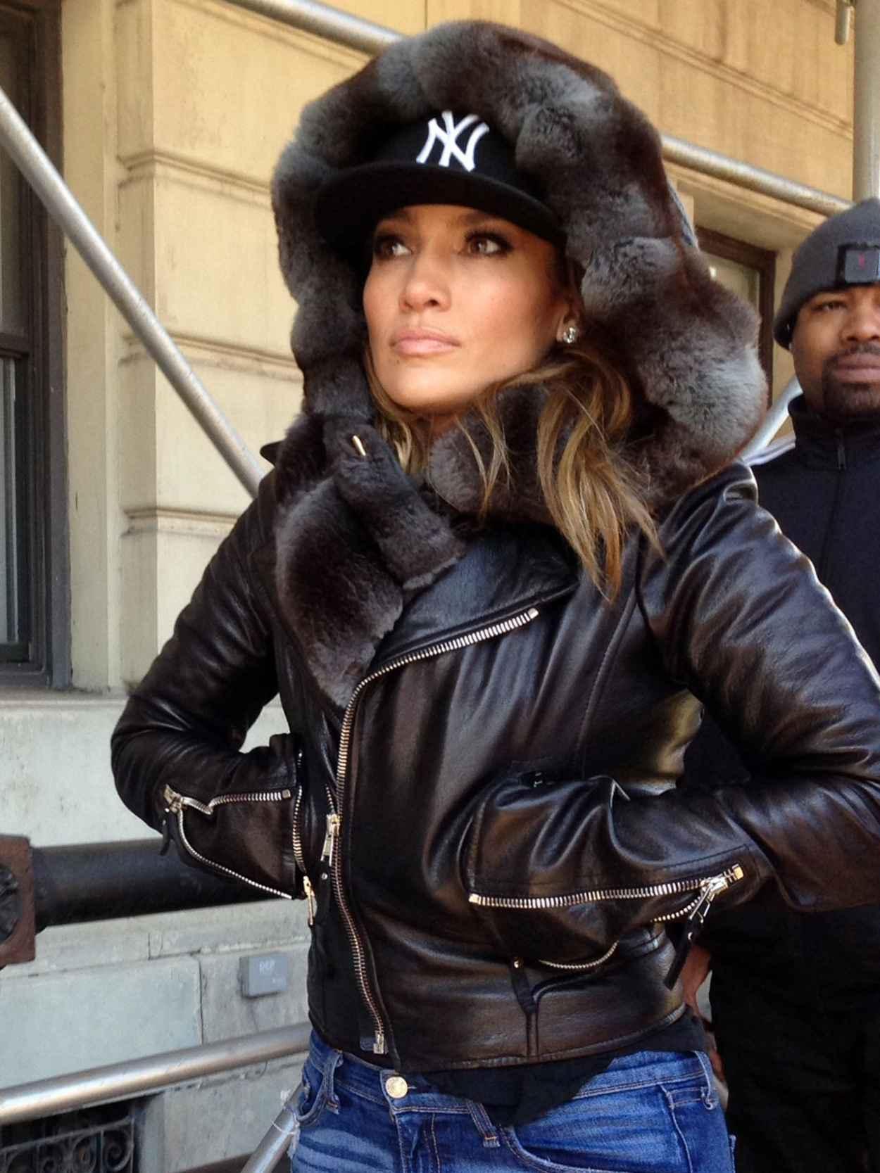Jennifer Lopez in Central Park, New York 2015-5
