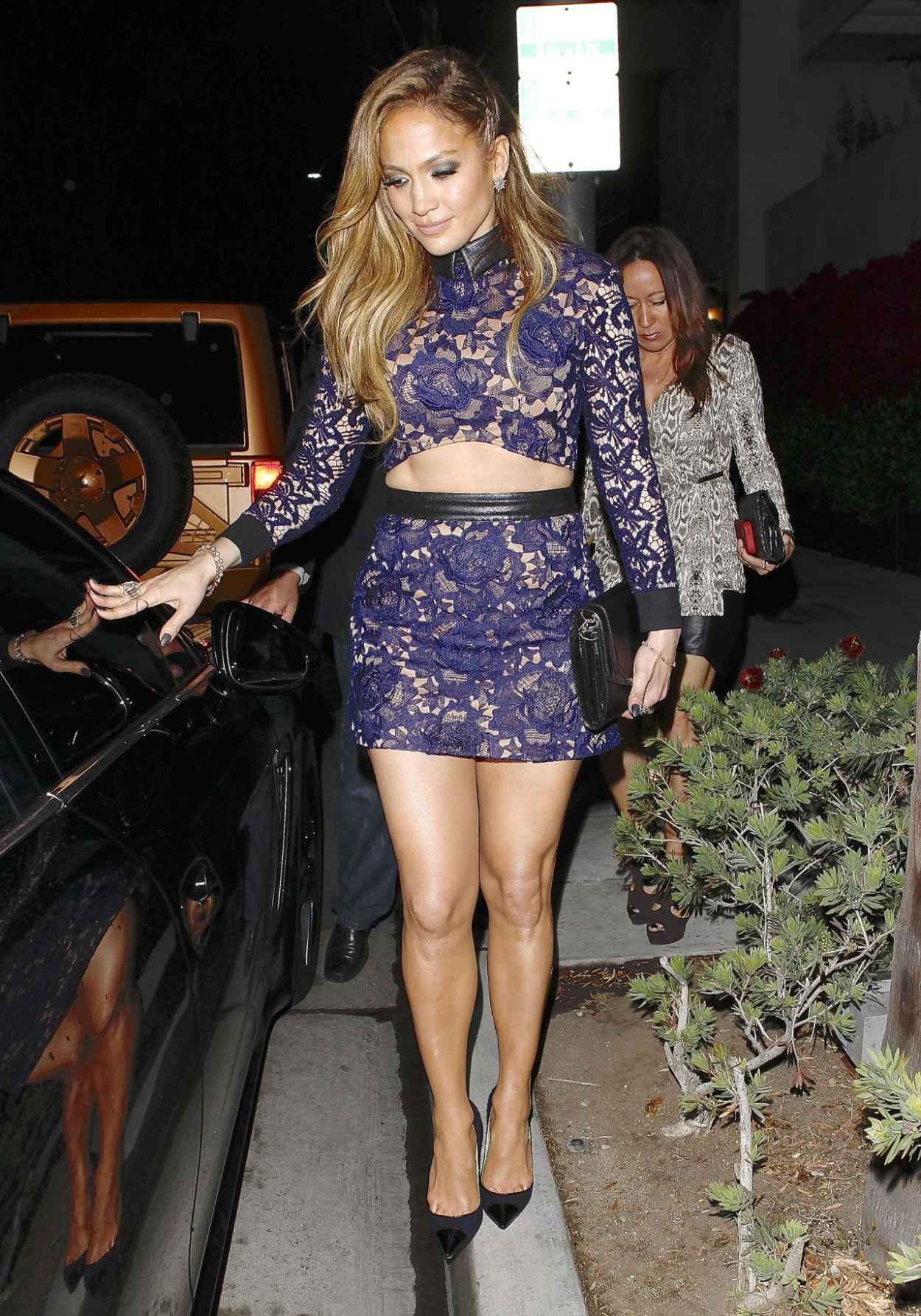 Jennifer Lopez Shows Off Legs - Spago Restaurant in Beverly Hills-2