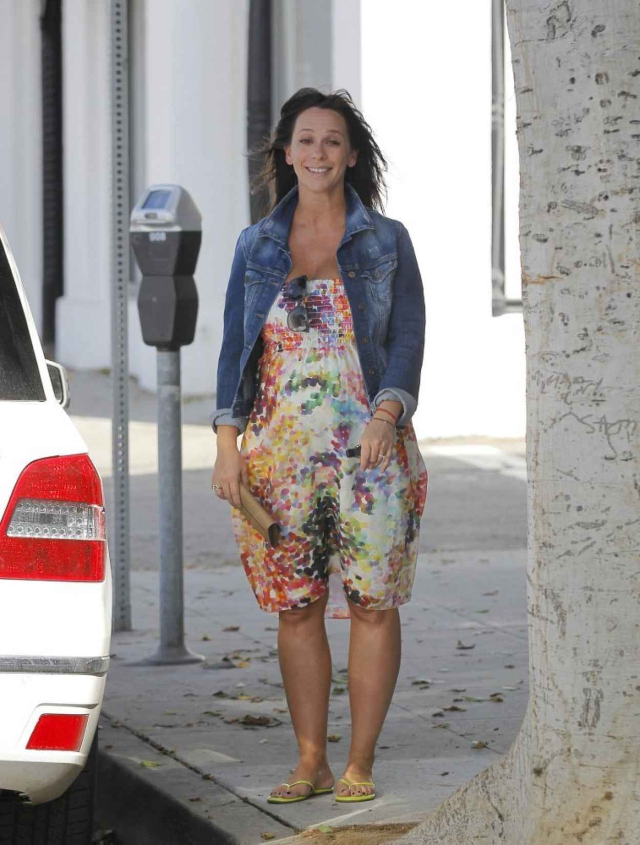 Jennifer Love Hewitt out in Brentwood, Los Angeles-1