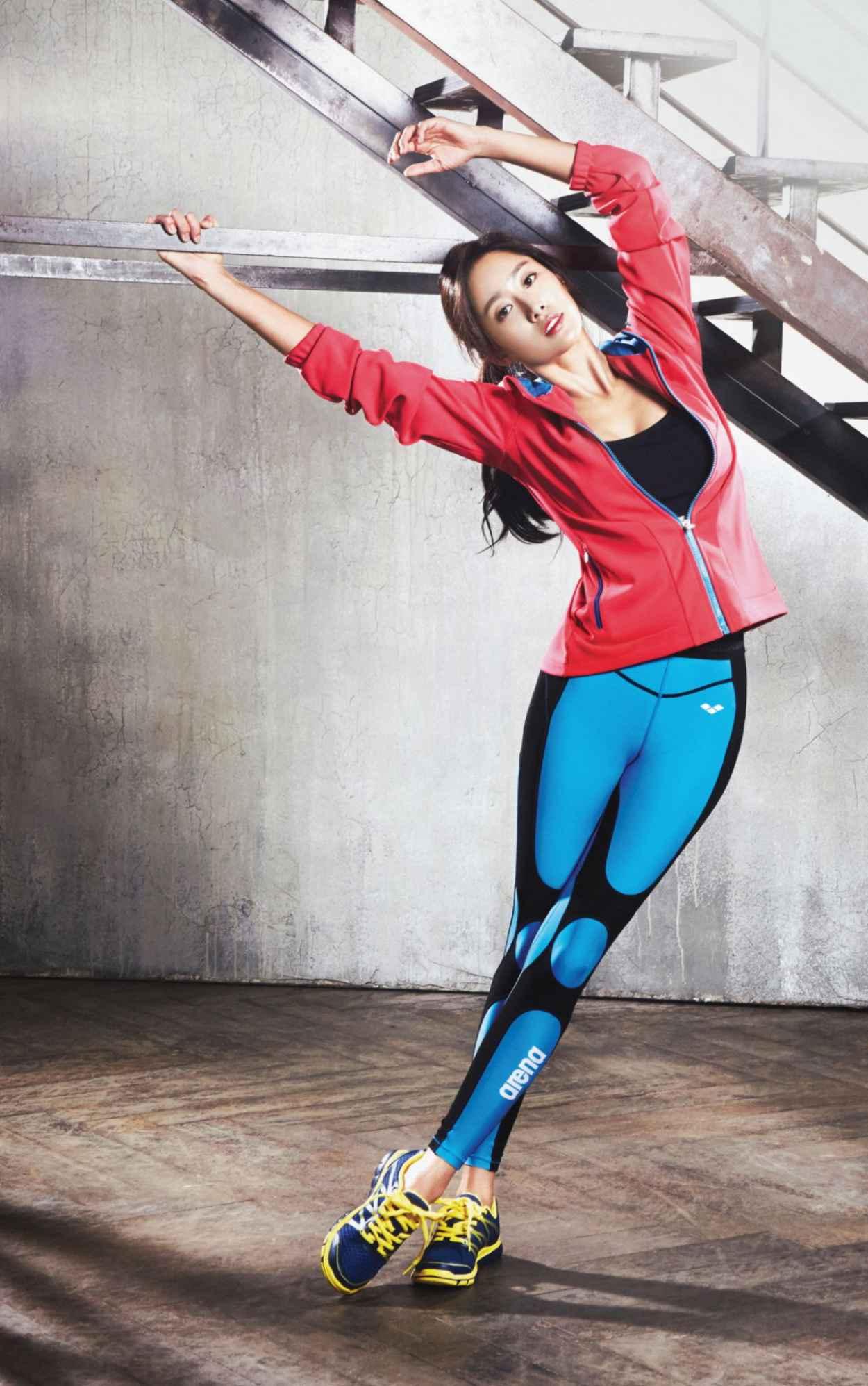 Jeon Hye-bin Photoshoot - Arena Fall/Winter 2015 Sports Collection-1