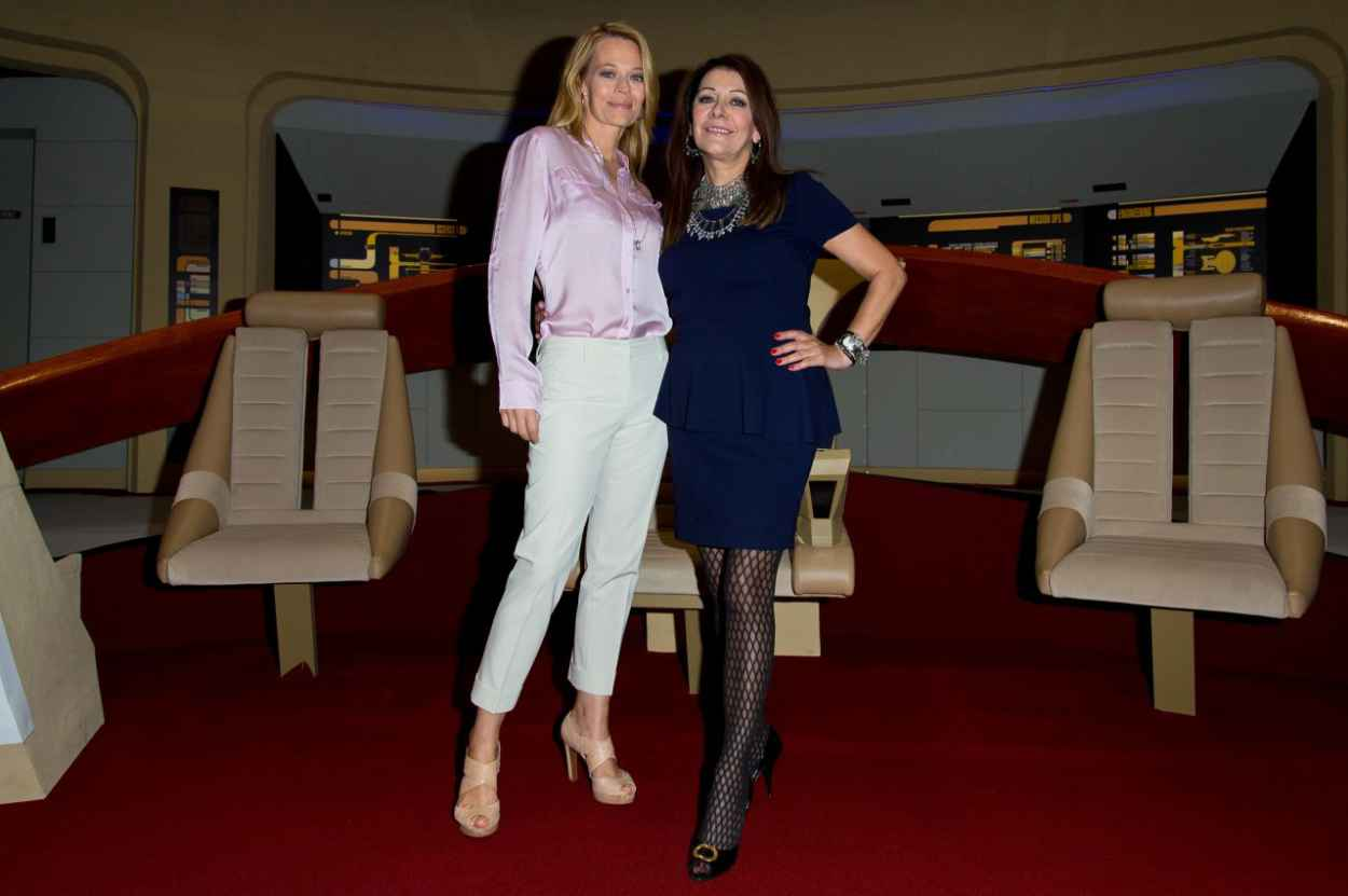 Jeri Ryana and Marina Sirtis - Destination Star Trek Event at ExCel in London, Oct. 2015-1