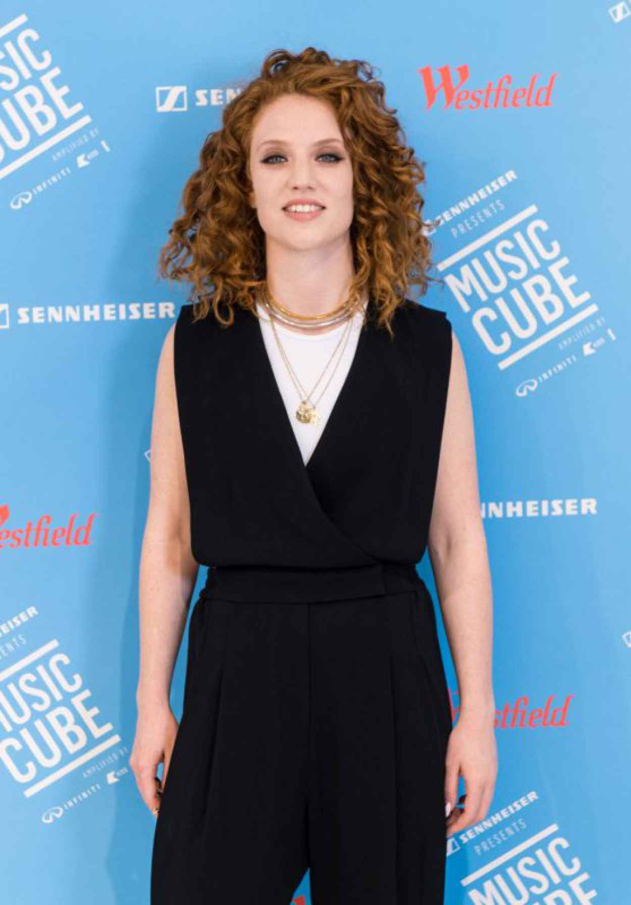 Jess Glynne - Performs on Stage During a Launch for MUSIC CUBE-1