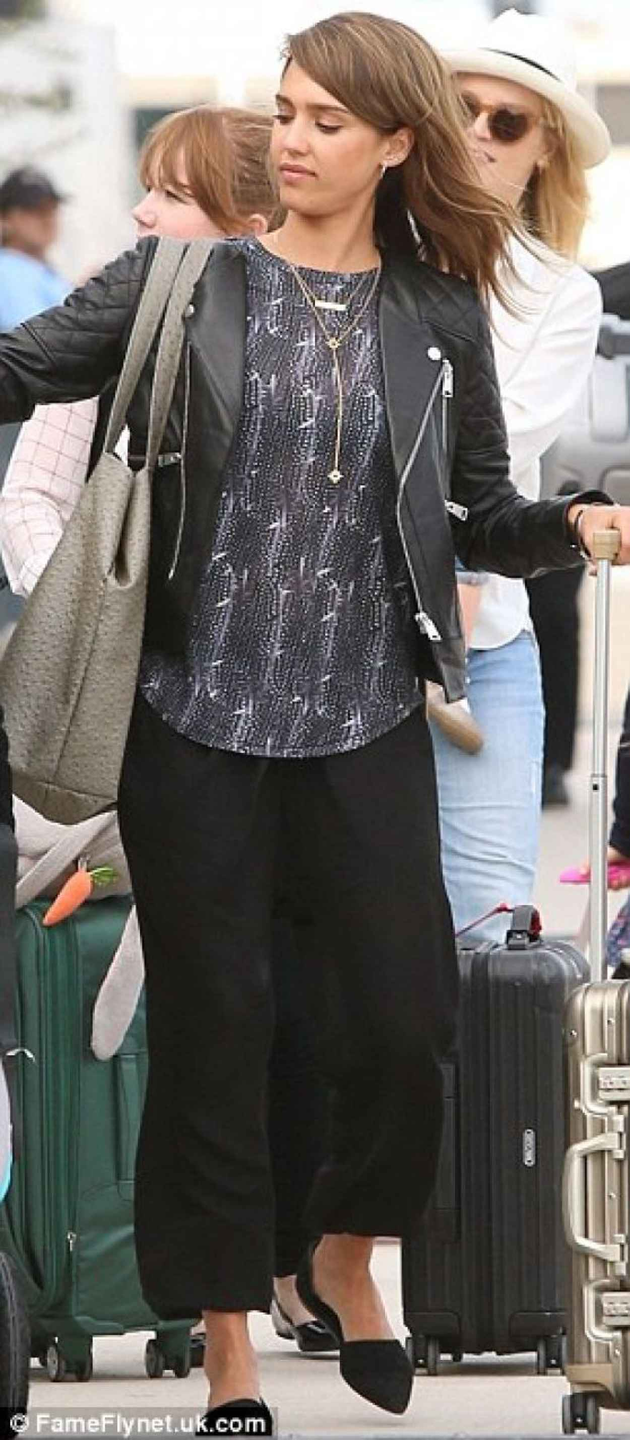 Jessica Alba - Los Cabos International Airport in Mexico - January 2015-1