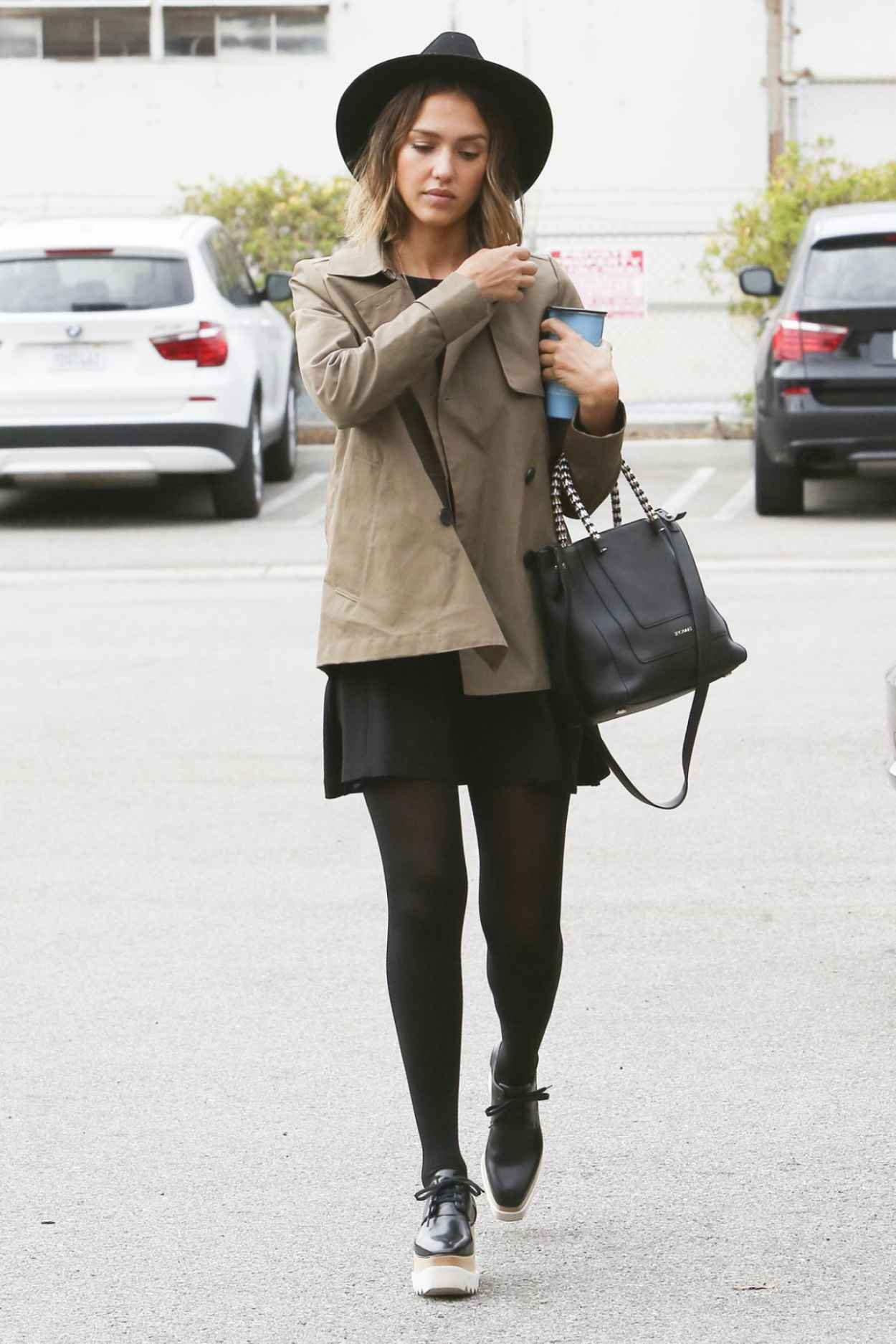 Jessica Alba Street Fashion Out In Los Angeles May 2015