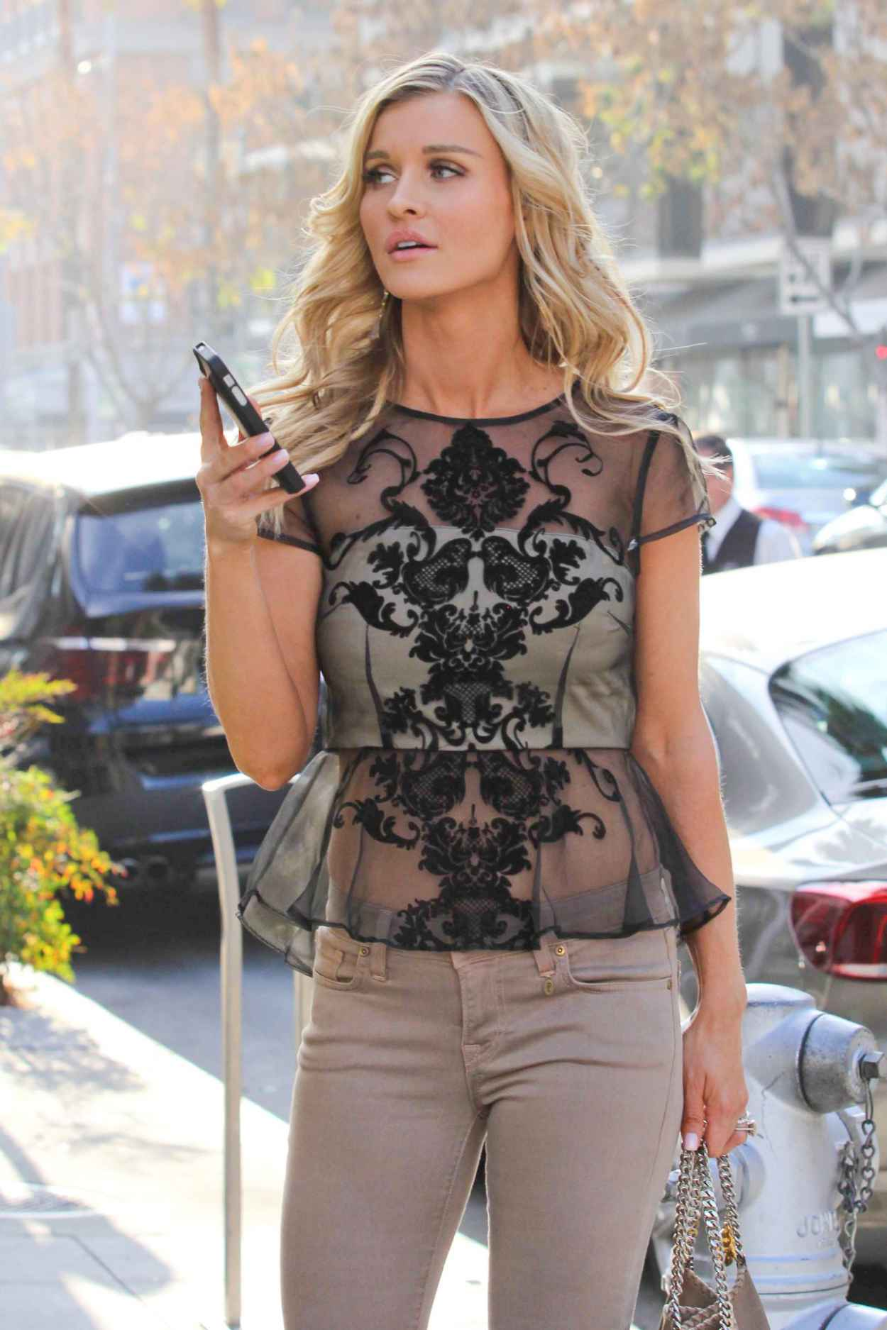 Joanna Krupa Street Style - Out For shopping in Beverly Hills - January 2015-1