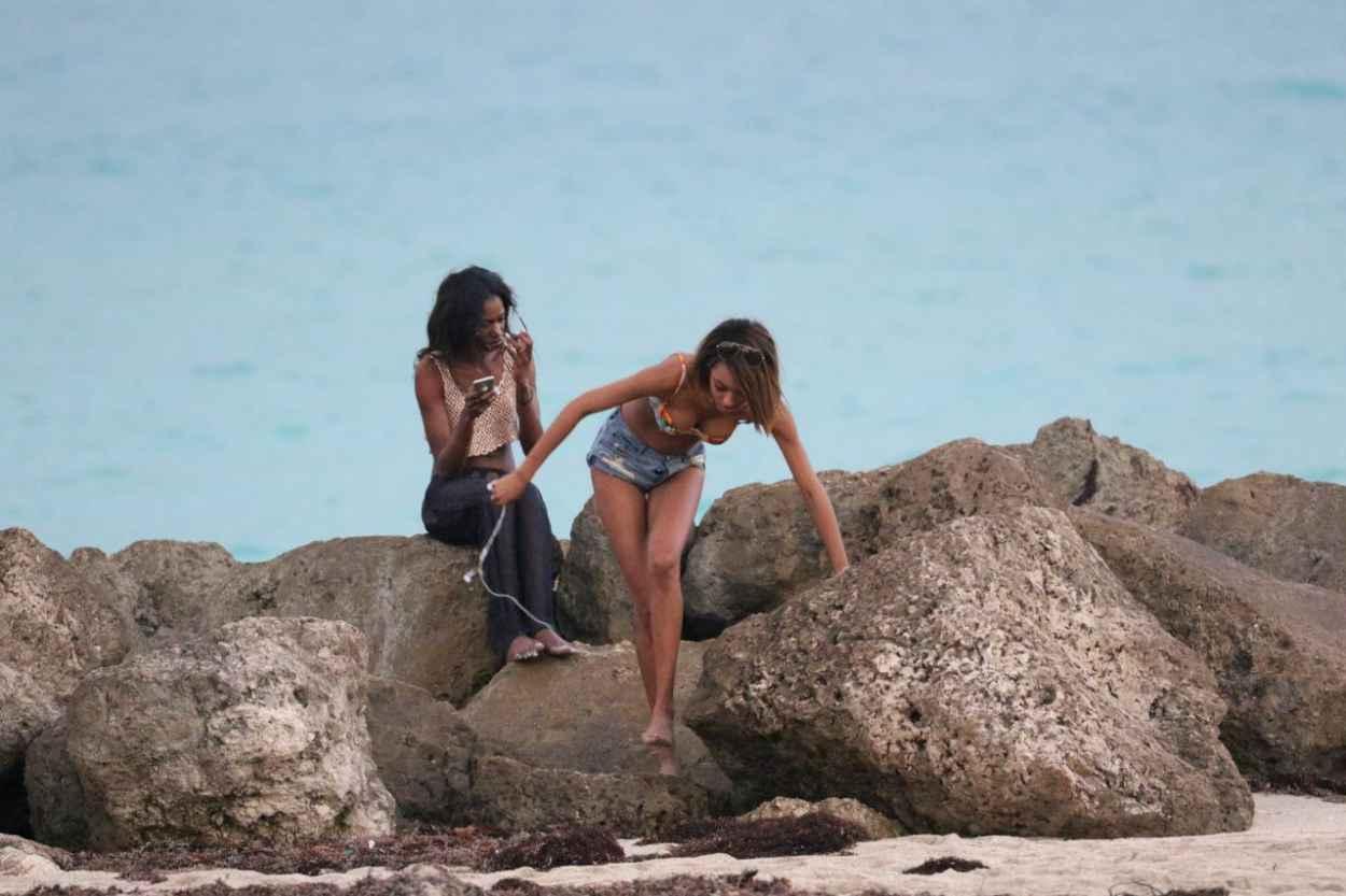 Jourdan Dunn Bikini Candids - Beach in Miami, December 2015-5