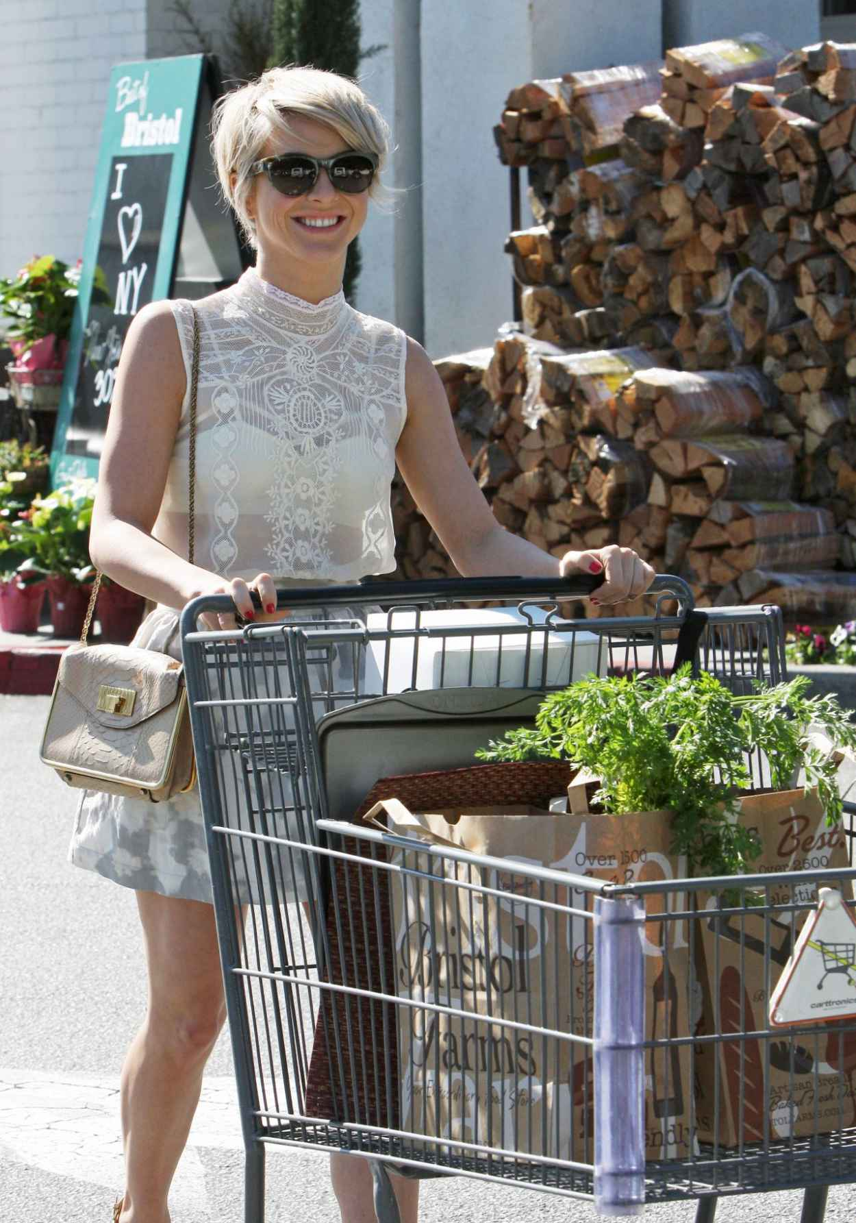 Julianne Hough at Bristol Farms in Los Angeles, February 2015-1