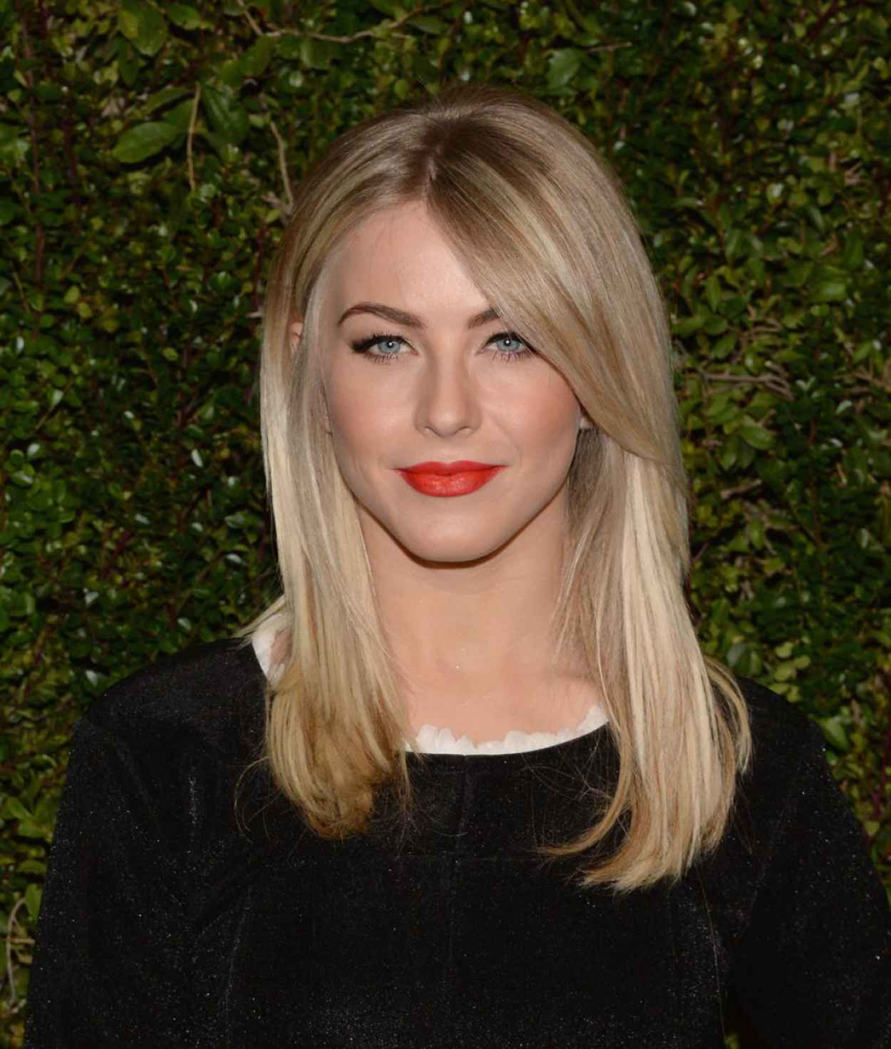 Julianne Hough - Drew Barrymores Photo Book at Chanel Boutique in Beverly Hills, January 2015-1